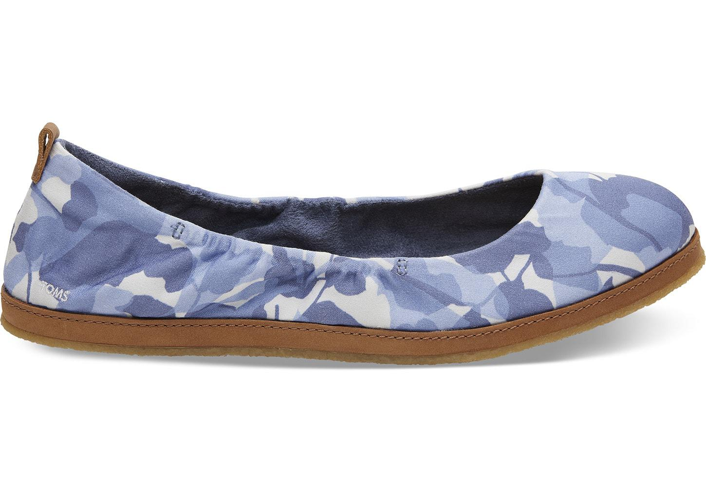 74ced872cb1 Toms Infinity Blue Leaf Sateen Women s Olivia Flats in Blue - Lyst