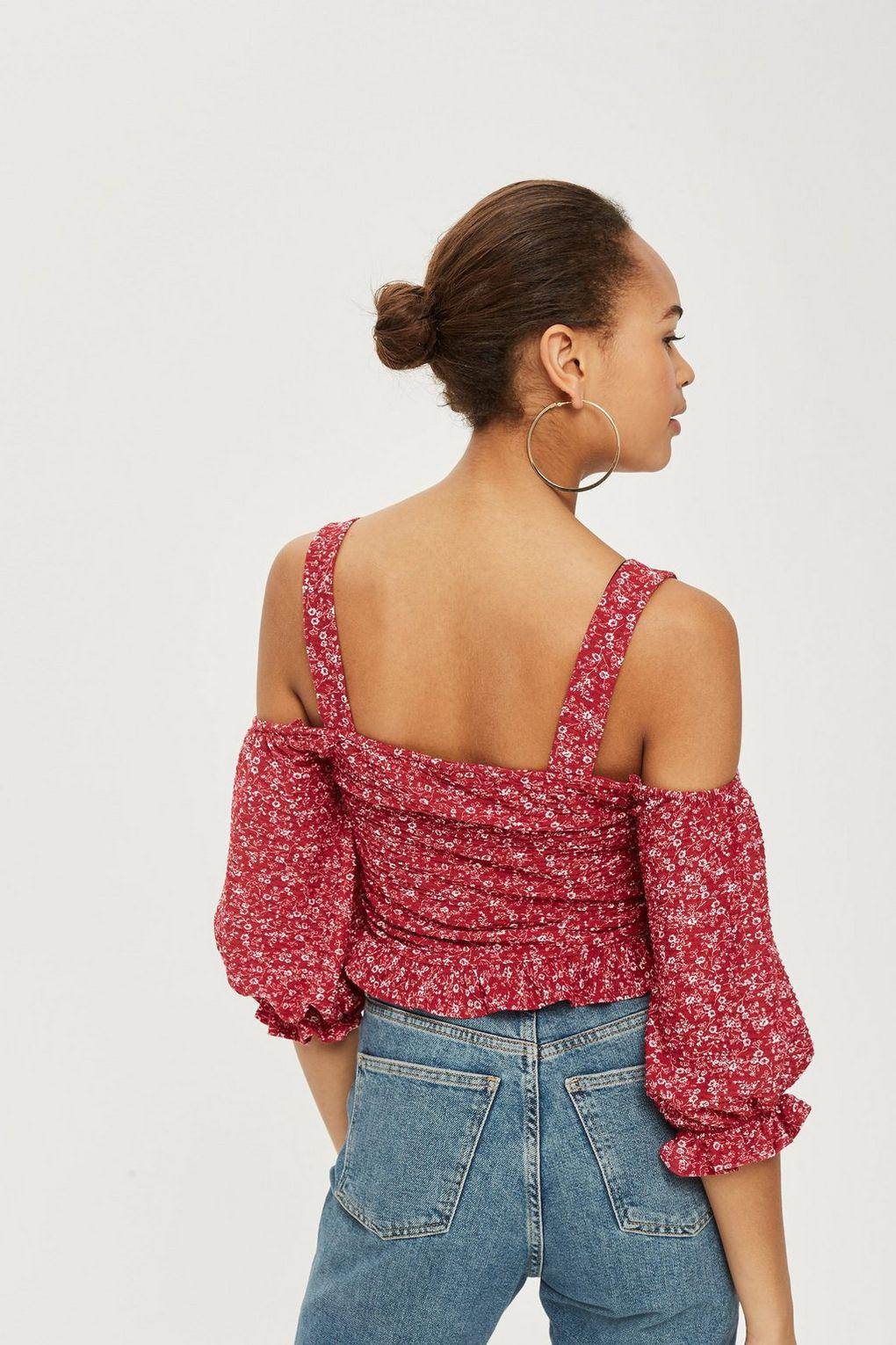 f4aba11a8f5 TOPSHOP Ditsy Ruched Cold Shoulder Top in Red - Lyst