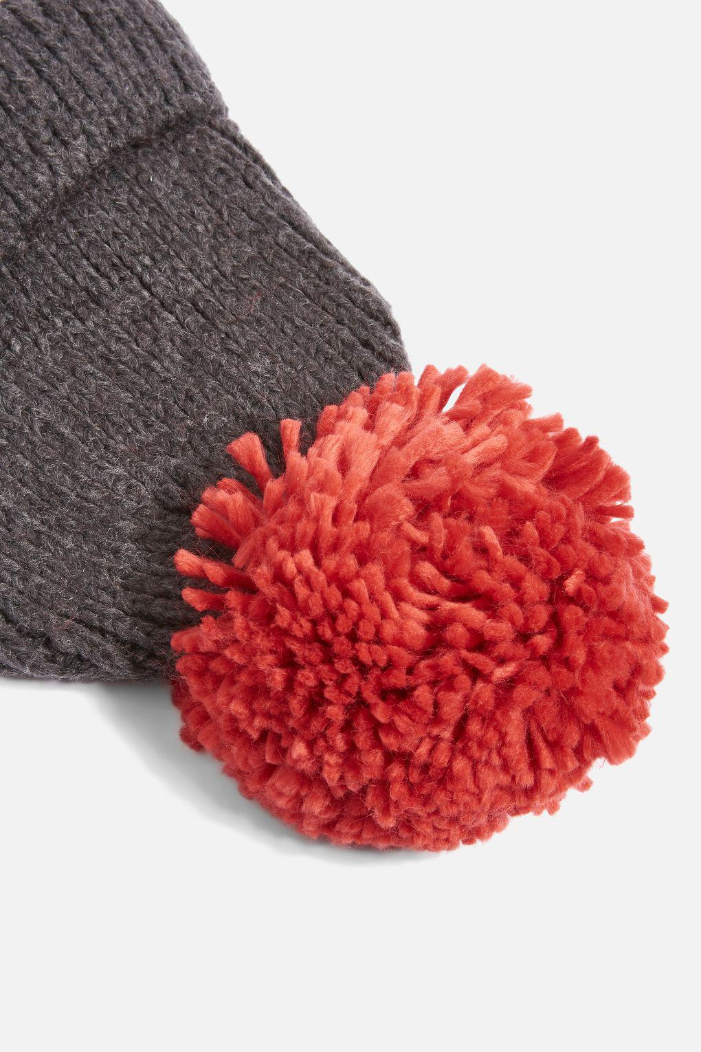 a2dfbb9d5 TOPSHOP Big Knit Pom Beanie Hat in Red - Lyst
