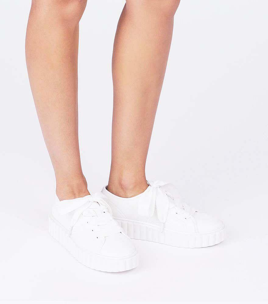 Tory Burch Leather Scallop Sneakers in