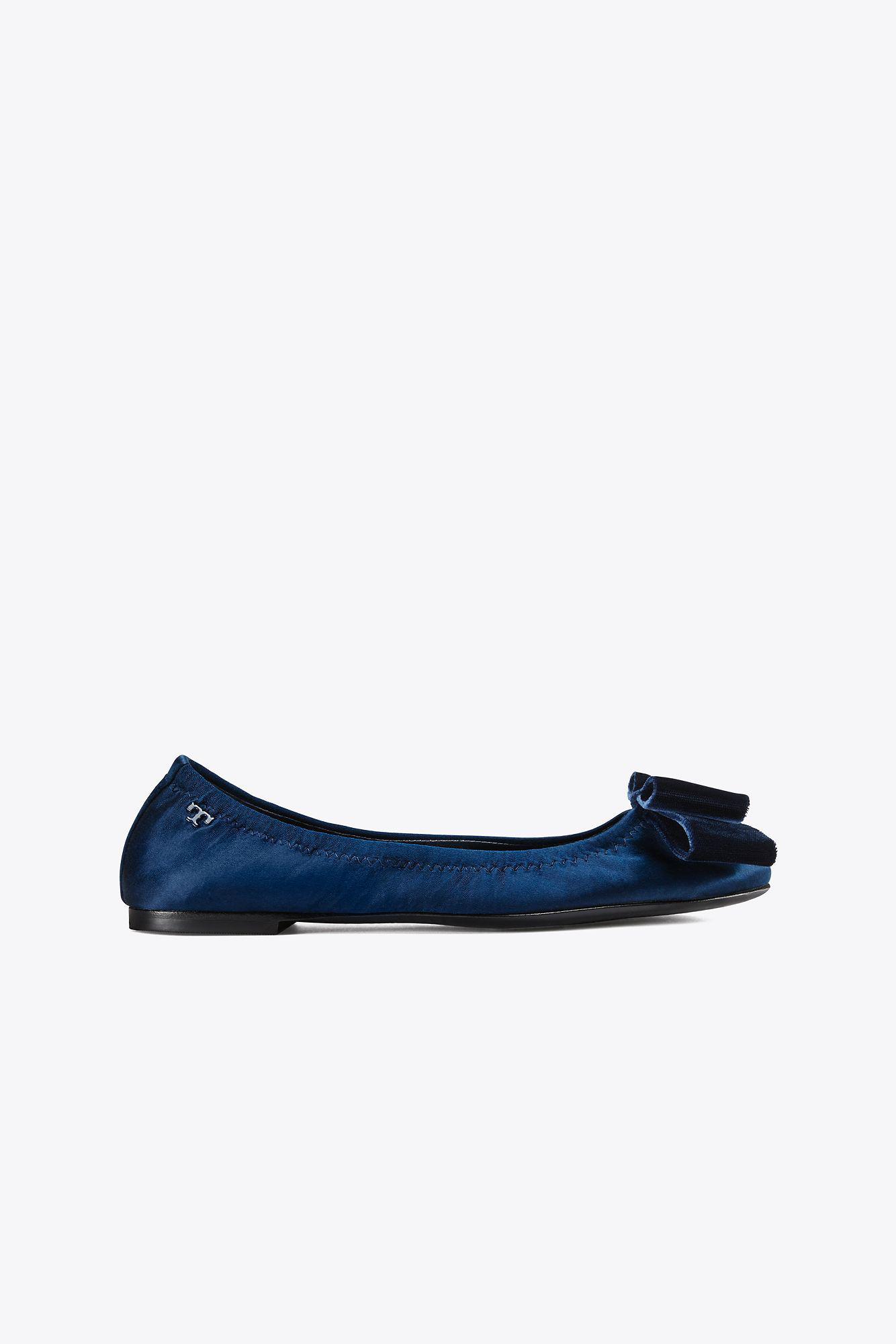 d9fbb500bd2 Lyst - Tory Burch Viola Bow Ballet Flat in Blue
