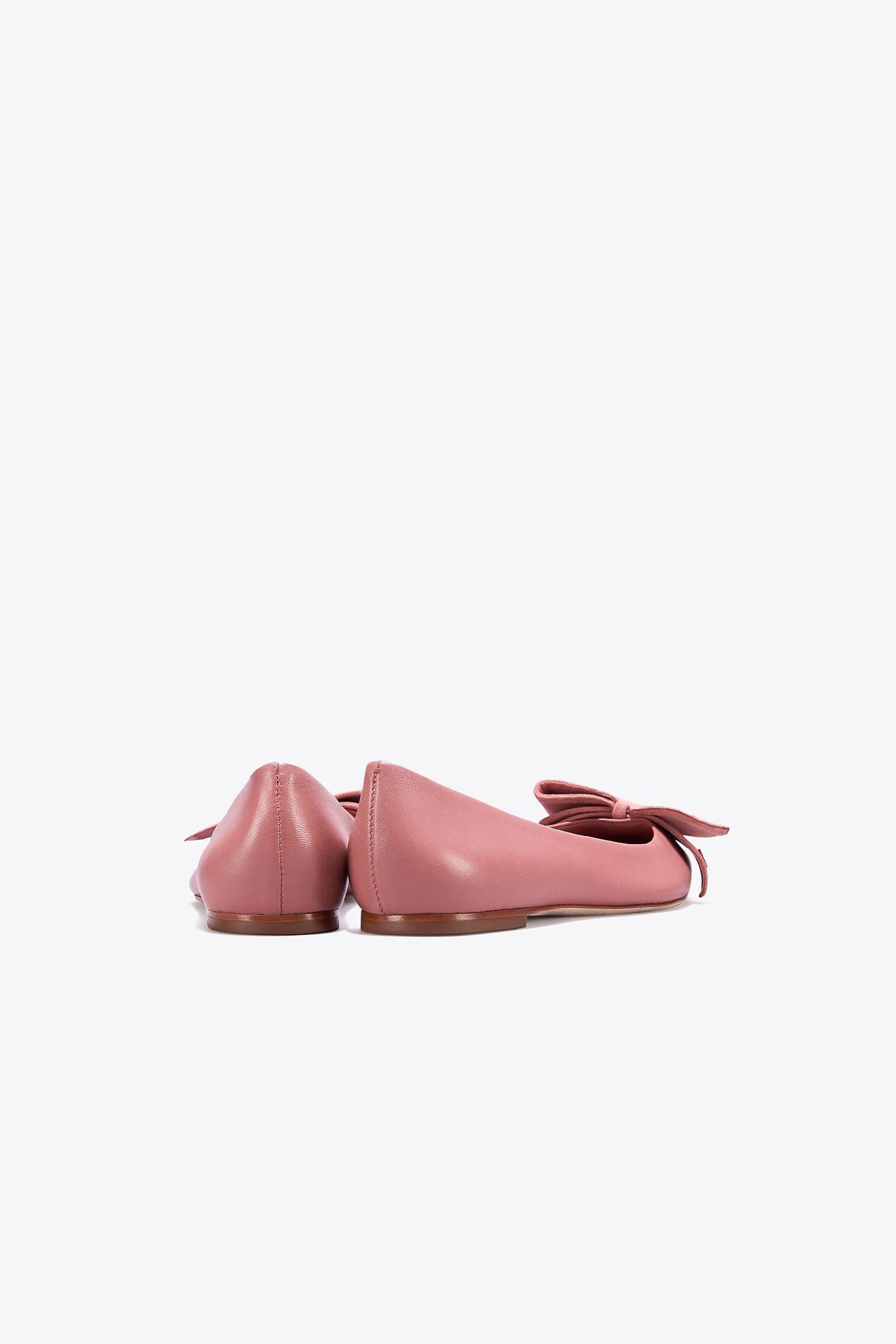 5e8e410ac Tory Burch Rosalind Ballet Flat   651   Skimmers in Pink - Lyst