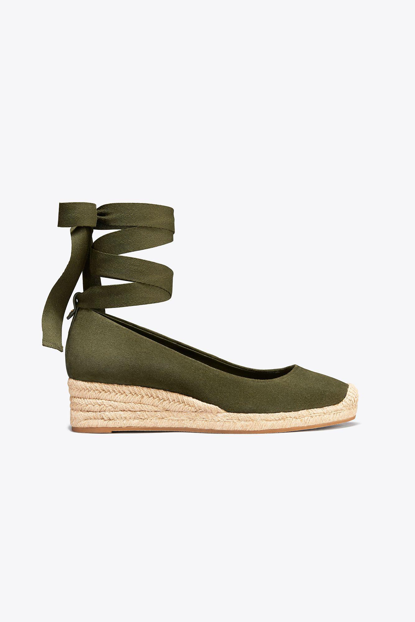 5be6bd781 Tory Burch Heather Suede Wedge Espadrille in Green - Lyst