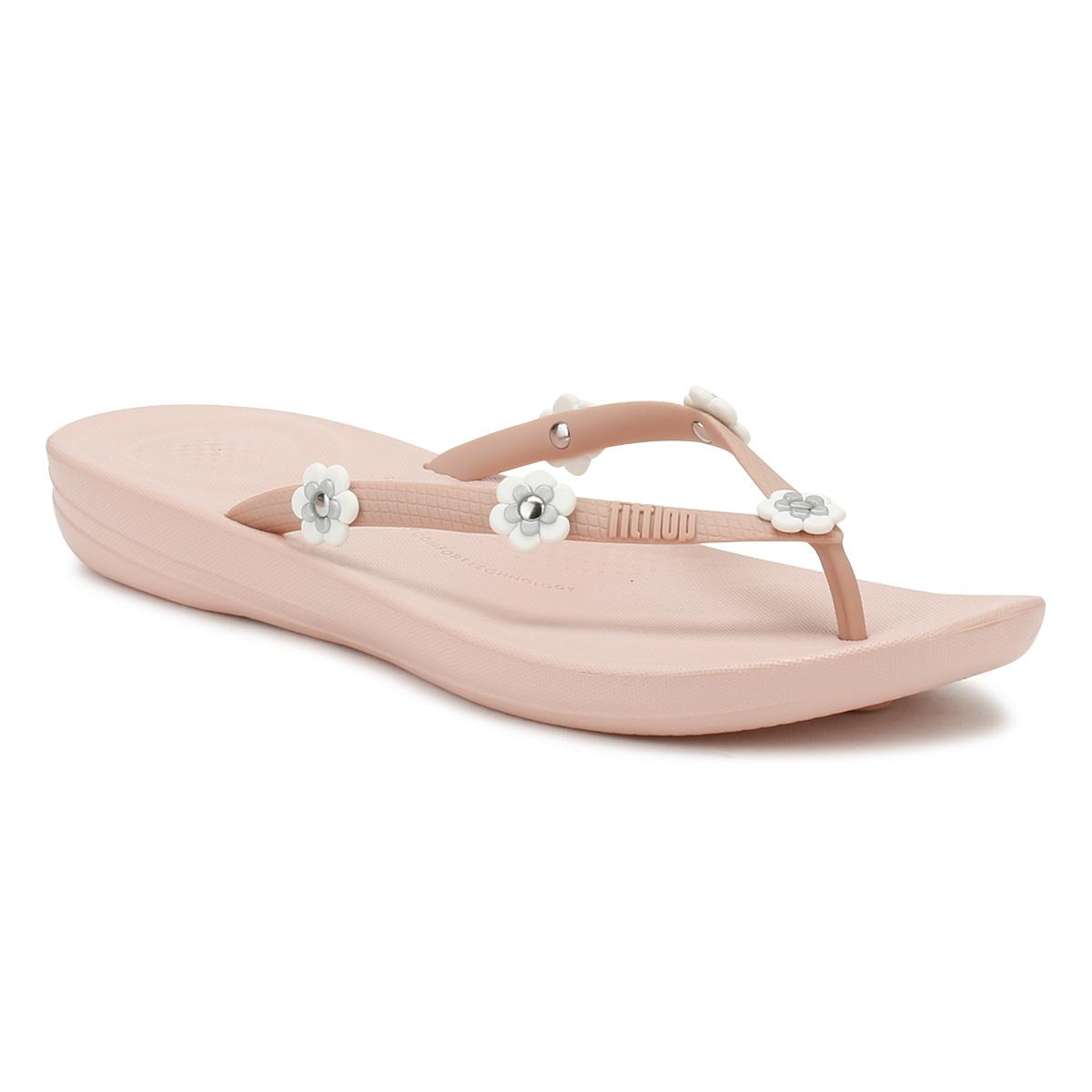 638d2481a722 Lyst - Fitflop Womens Flower Nude Mix Iqushion Ergonomic Flip Flops ...