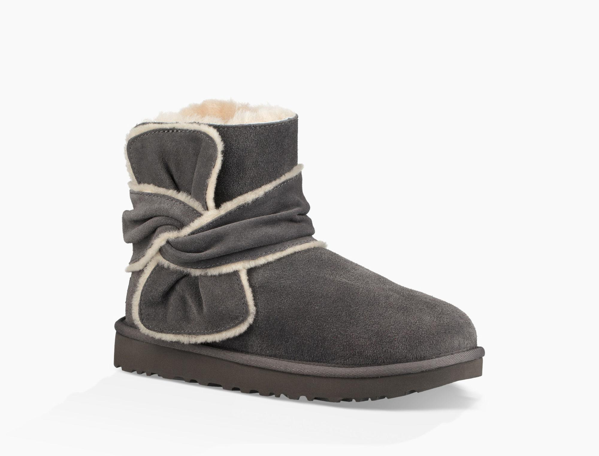 f912d7b86e Gallery. Previously sold at  UGG · Women s Frye Jenna Women s Cole Haan  Abbot Women s Suede Heeled Boots ...