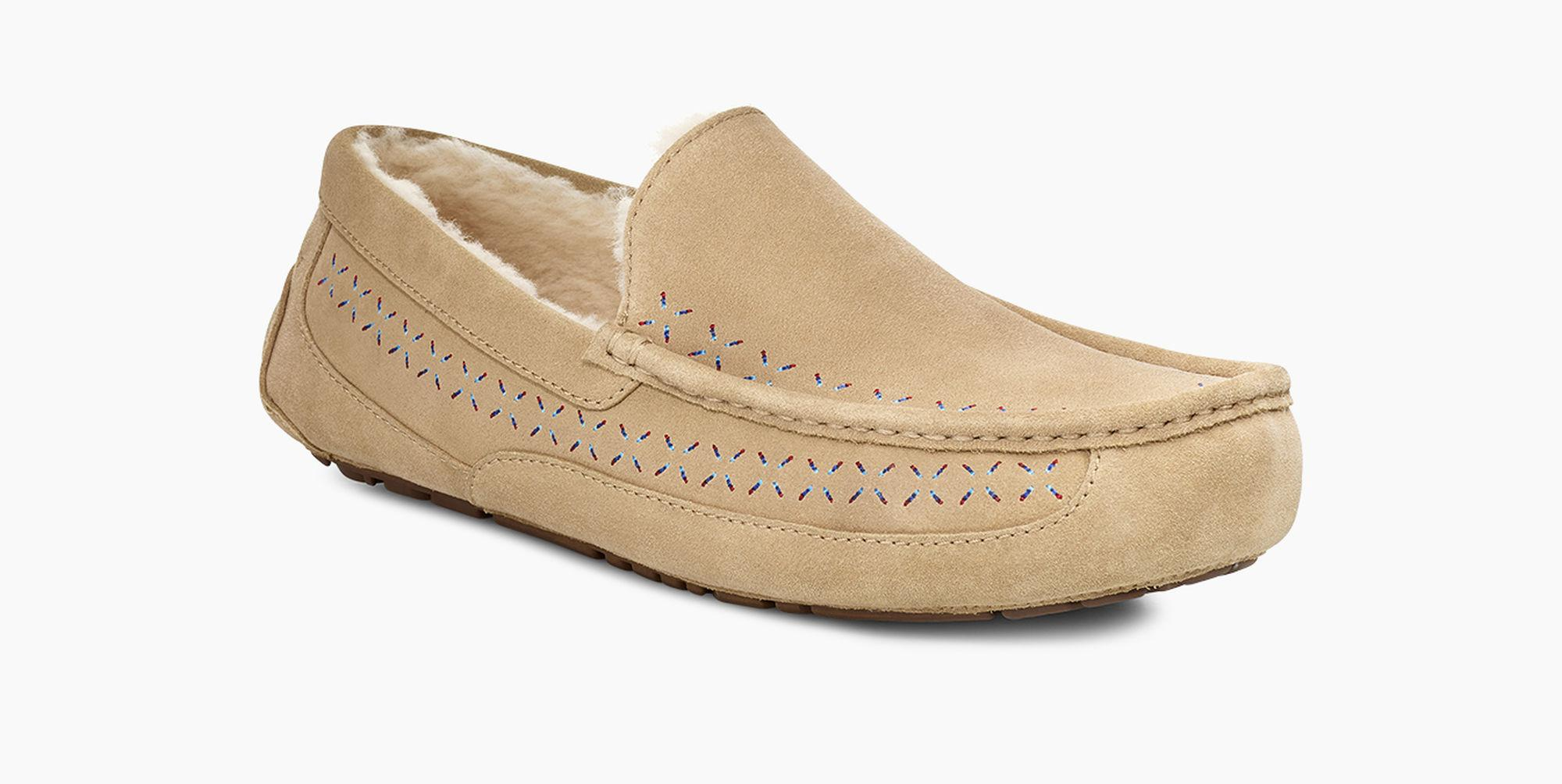 37121c2ab9f Ugg Natural Ascot White Mountaineering Slipper Ascot White Mountaineering  Slipper for men