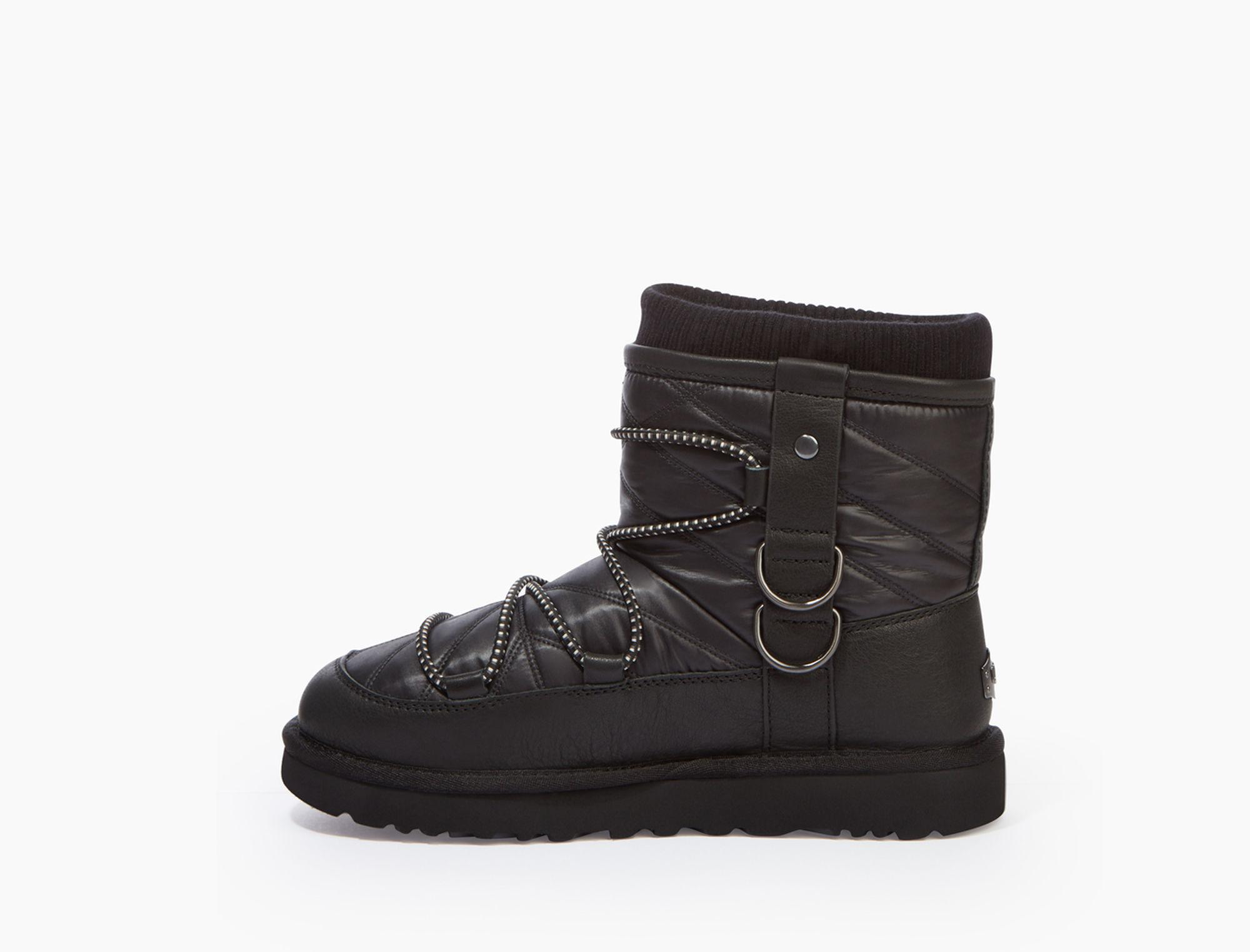 Puff Momma Classic Short Boot in Black