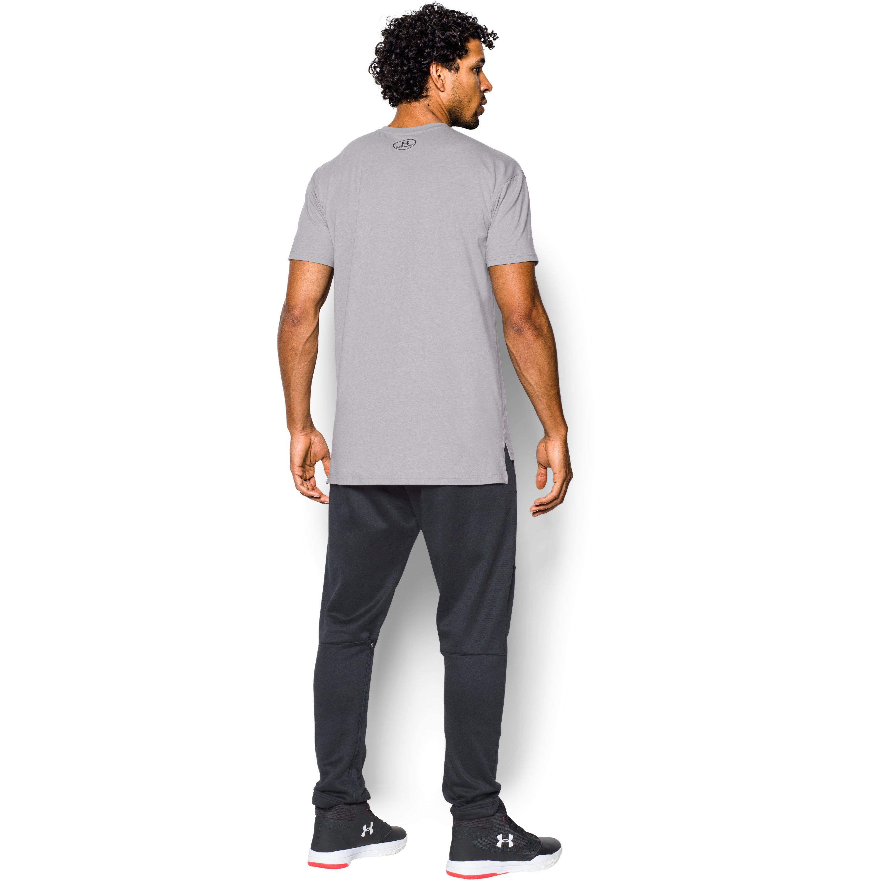 Burgundy Large New Under Armour UA Men/'s Pursuit Stealth Thermal Top