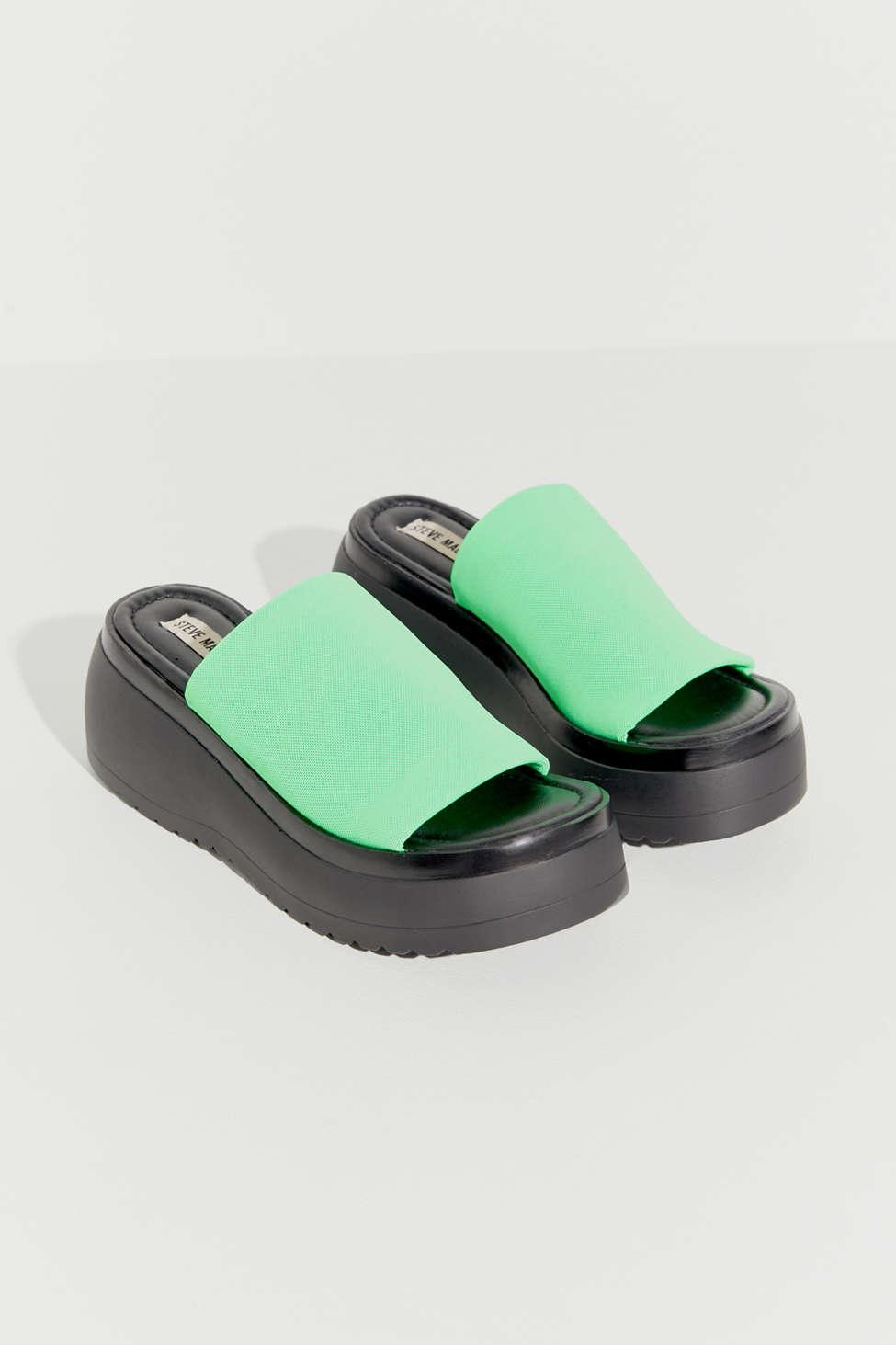04fa71a6ee5f Steve Madden - Green Uo Exclusive Slinky Platform Sandal - Lyst. View  fullscreen