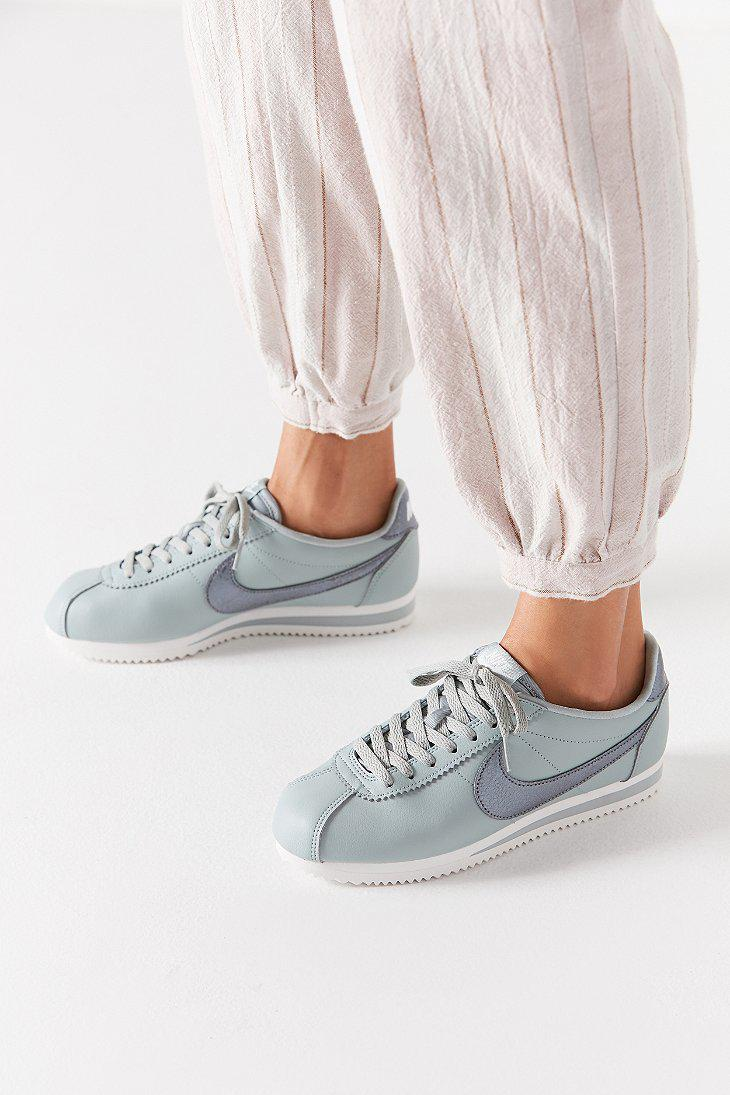 urban outfitters nike cortez