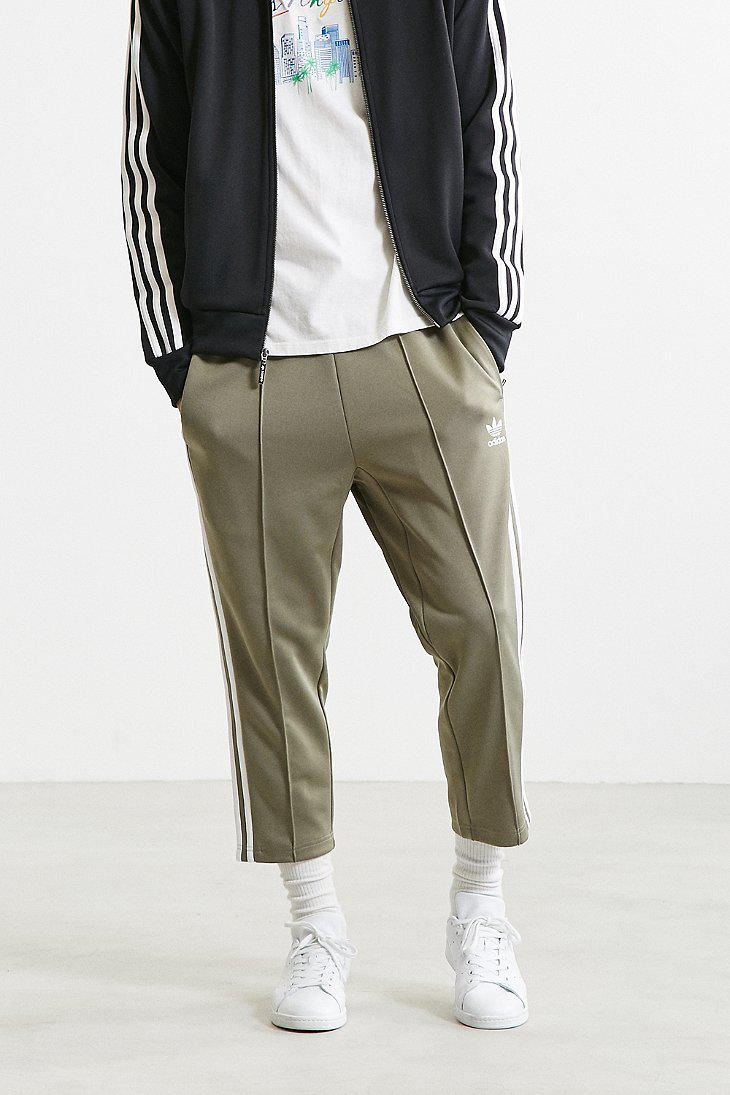 adidas Superstar Relaxed Cropped Track Pant | Urban Outfitters