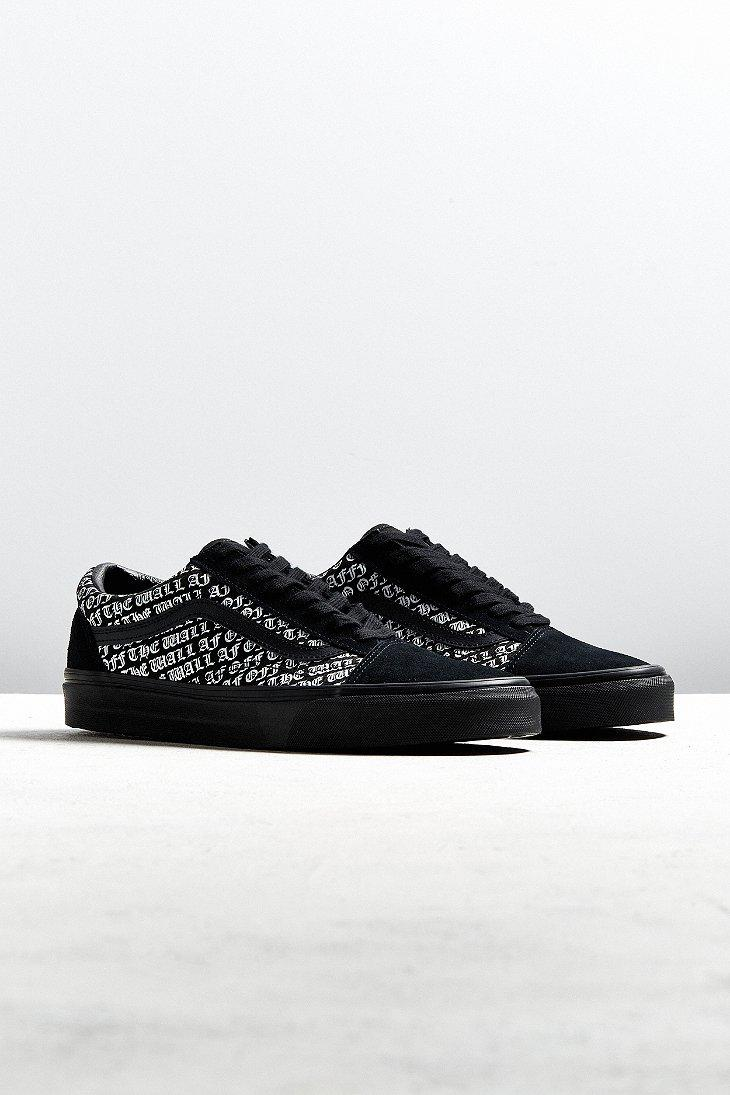 dc473daddf7e Gallery. Previously sold at  Urban Outfitters · Men s Vans Old Skool ...