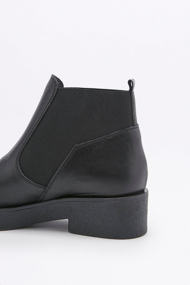 ff159be9bac Urban Outfitters Nicola Black Leather Chelsea Ankle Boots
