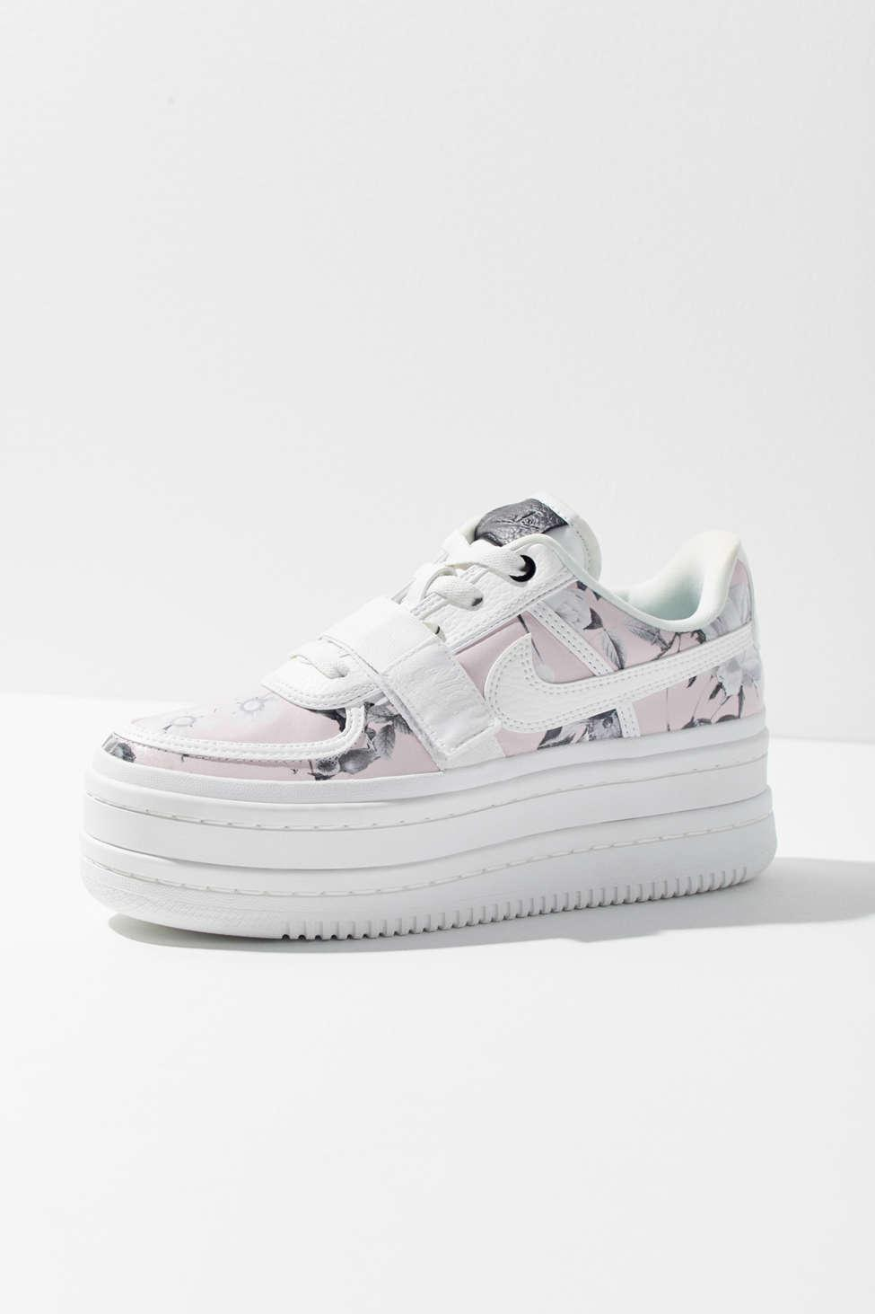 Nike Leather Wmns Vandal 2k in White