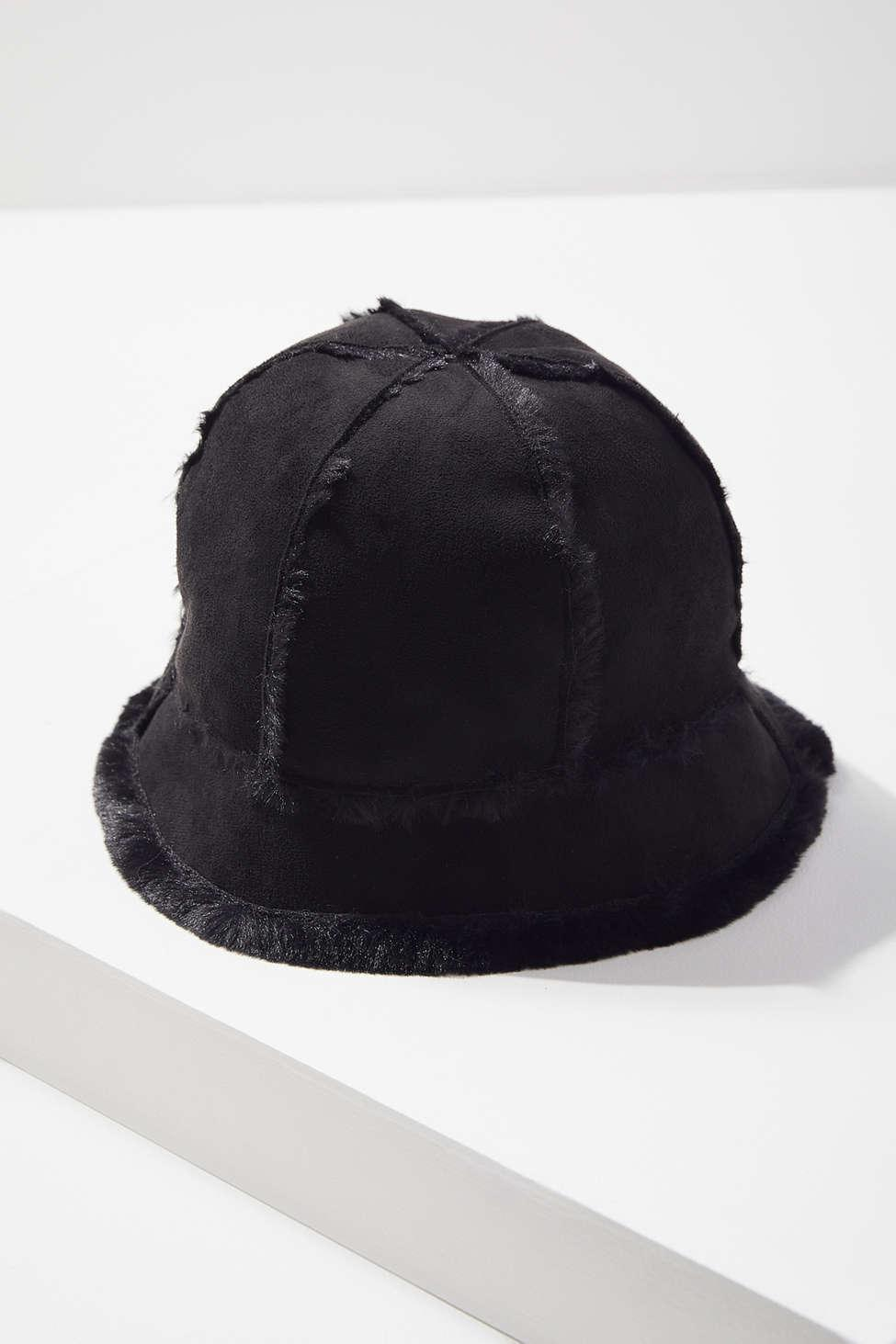 3fa4692a2e51f Lyst - Urban Outfitters Sherpa + Suede Bucket Hat in Black