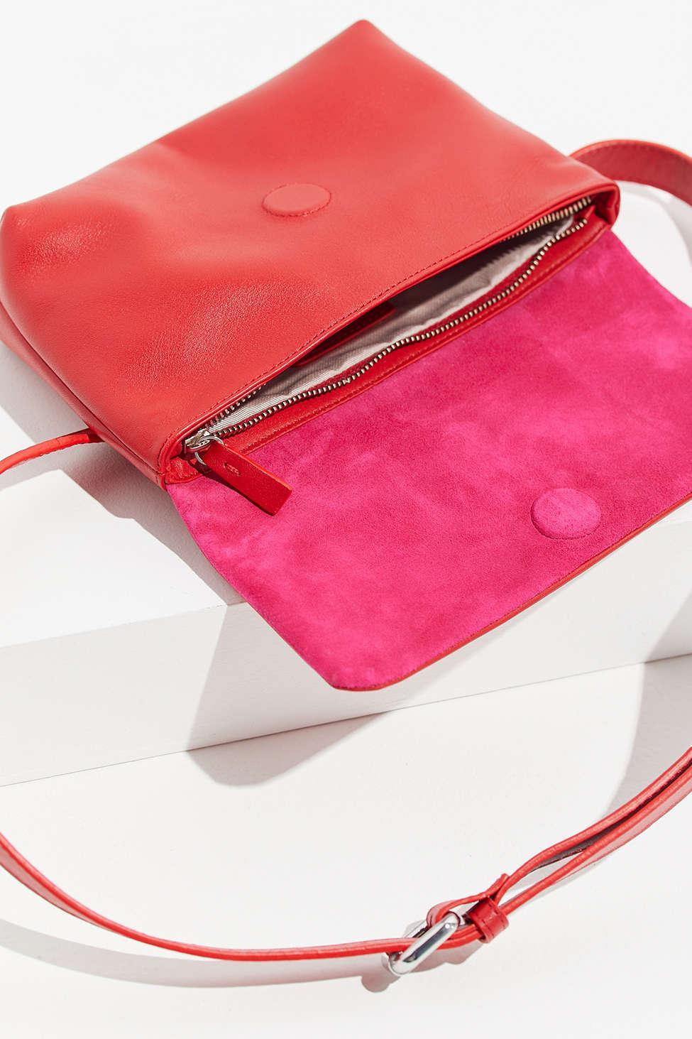 34811a4bcd5dc Vagabond Copenhagen Leather Belt Bag in Red - Lyst