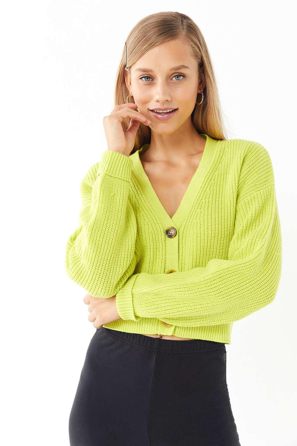 33a6126f52799 Gallery. Previously sold at  Urban Outfitters · Women s Cropped Sweaters ...