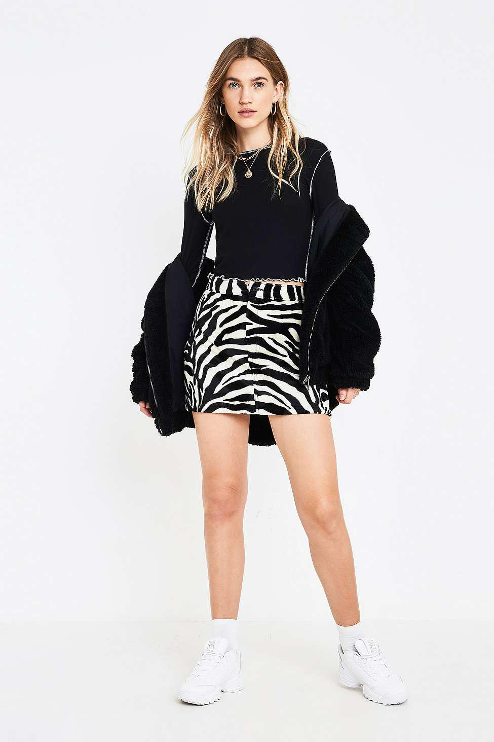 a133e8bda4b Urban Outfitters Uo Black Contrast Stitch Lettuce Edge Top - Womens ...