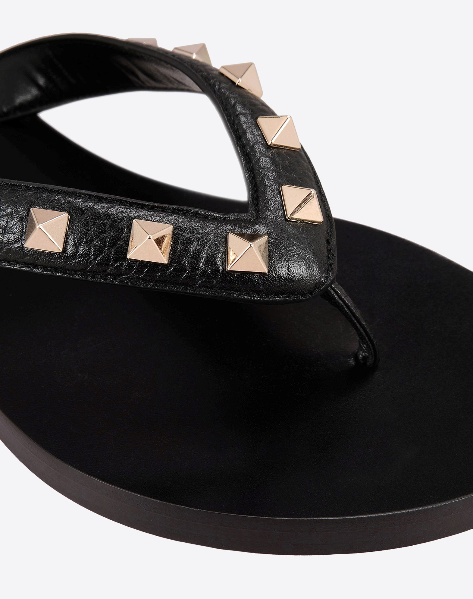 valentino rockstud leather flip flops in black lyst. Black Bedroom Furniture Sets. Home Design Ideas