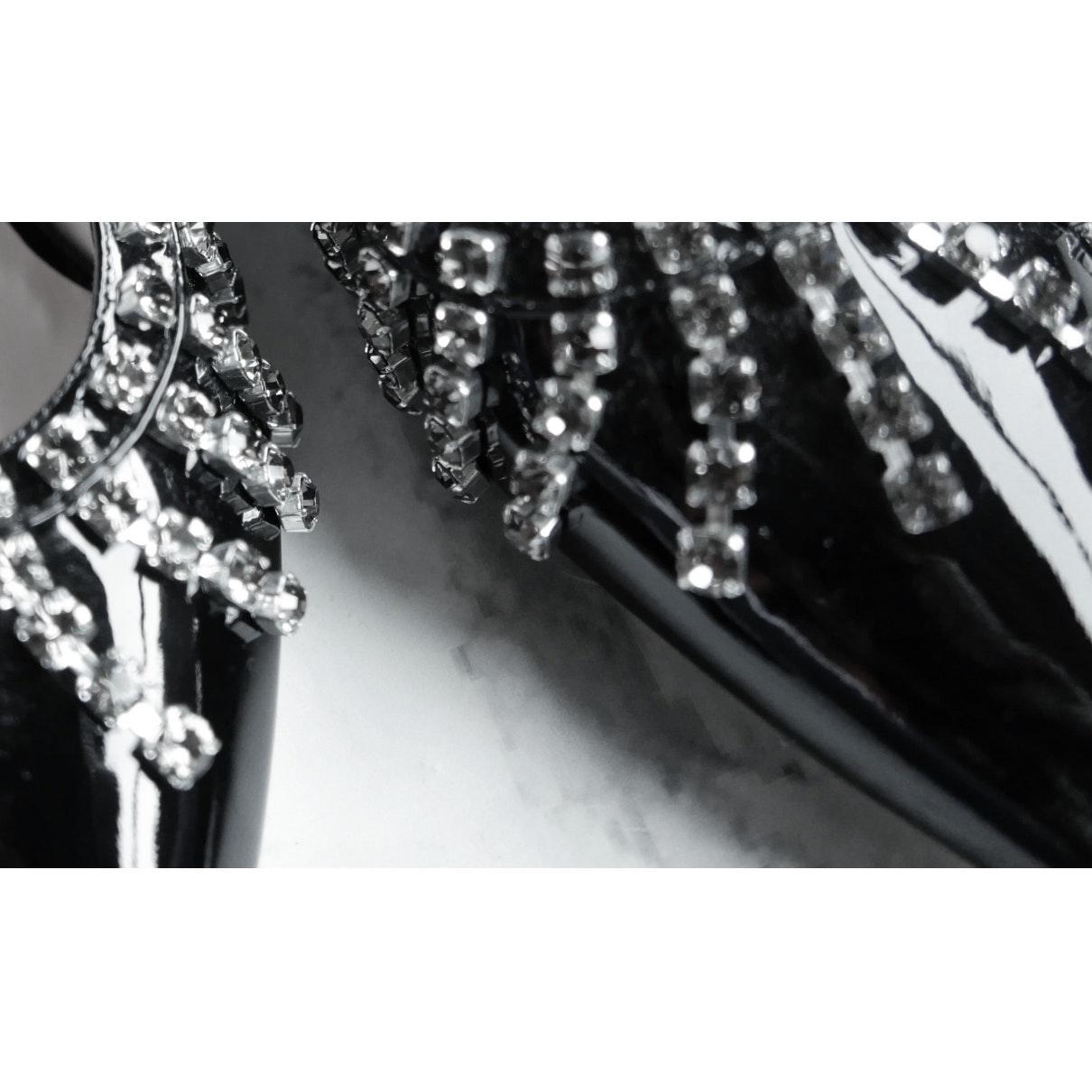 Tacones en charol negro Christopher Kane de color Negro