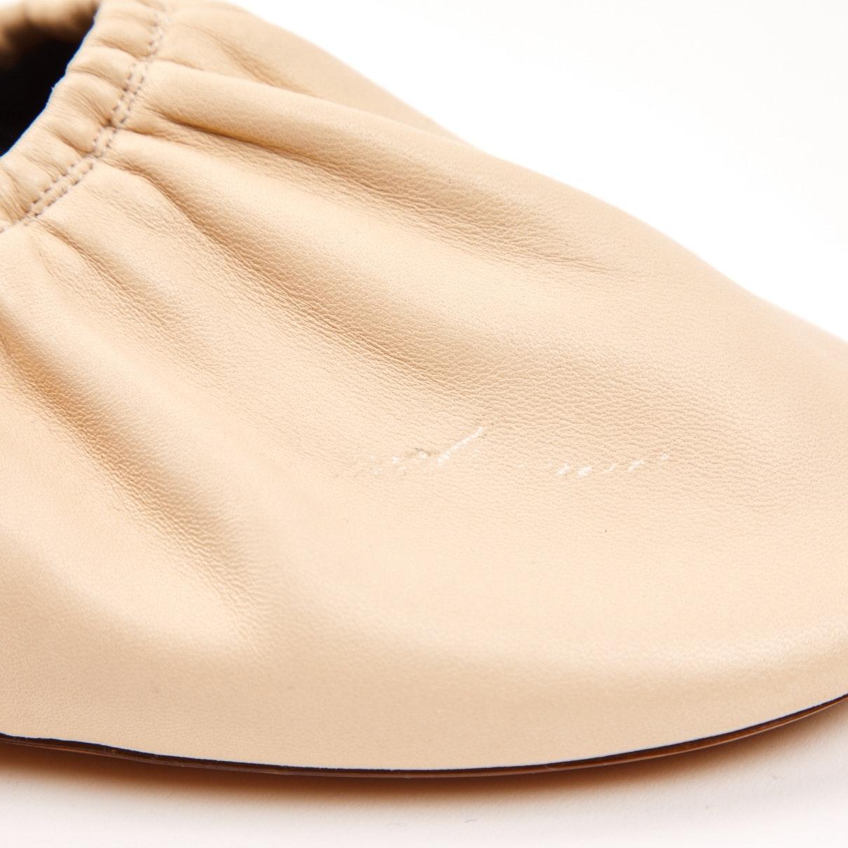 Zuecos en cuero beige Celine de Cuero de color Neutro