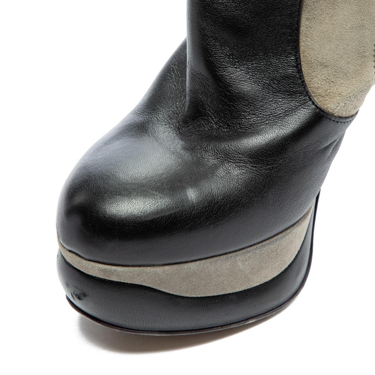 Botas en ante gris Fendi de Ante de color Gris