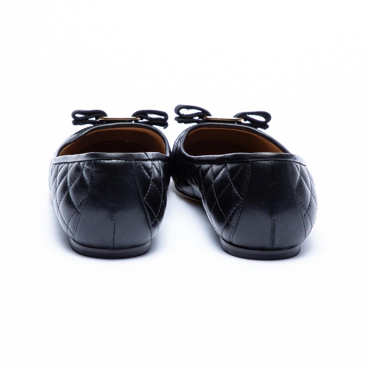 Mocasines en cuero negro Ferragamo de color Negro