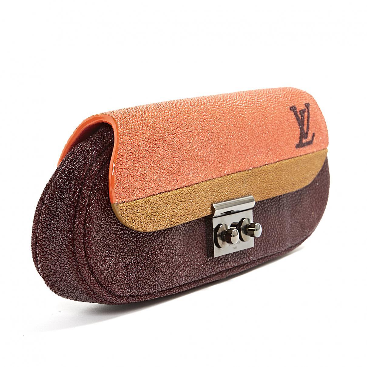 5a2cc68ac30e Louis Vuitton - Multicolor Pochette en galuchat - Lyst. Afficher en plein  écran