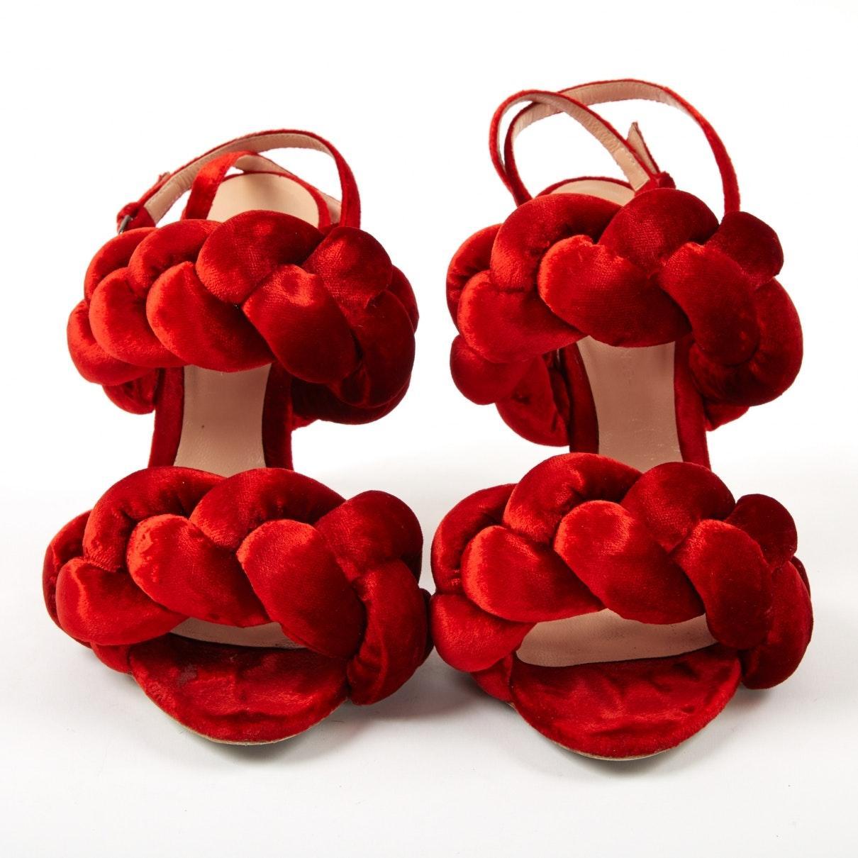 Tacones en terciopelo rojo Marco De Vincenzo de color Rojo