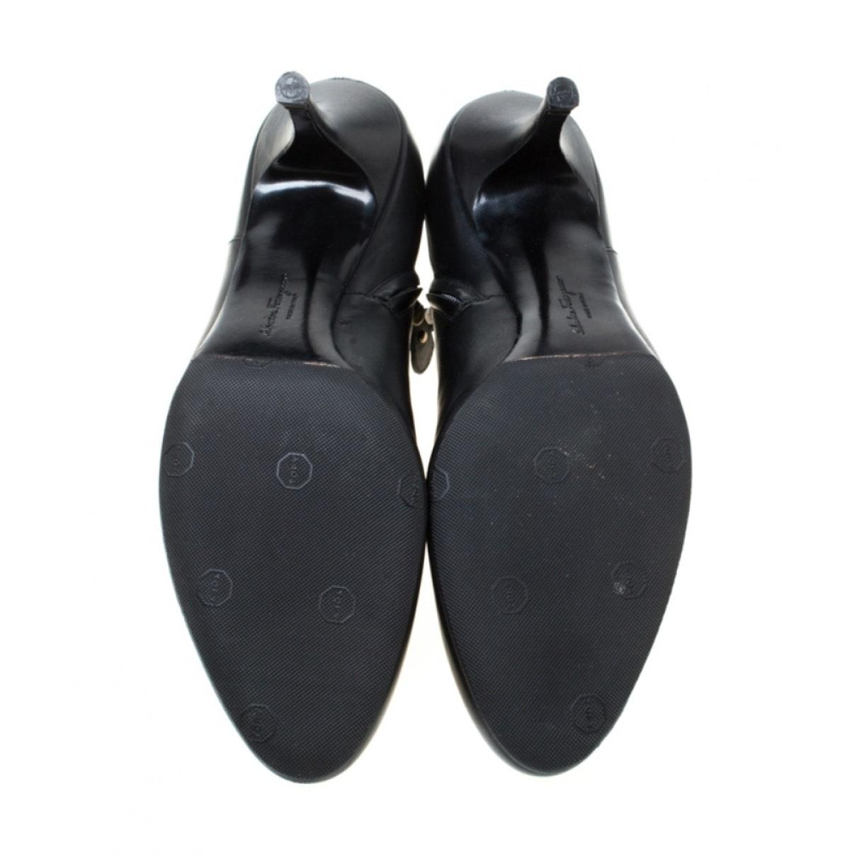 Botines en cuero negro Ferragamo de Cuero de color Negro