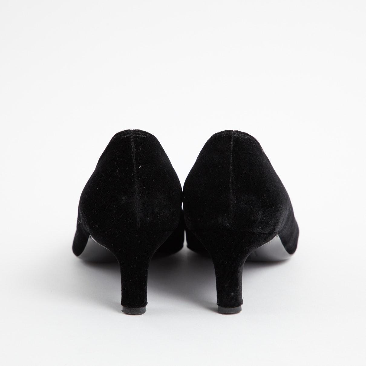 Tacones de Terciopelo Ferragamo de Terciopelo de color Negro