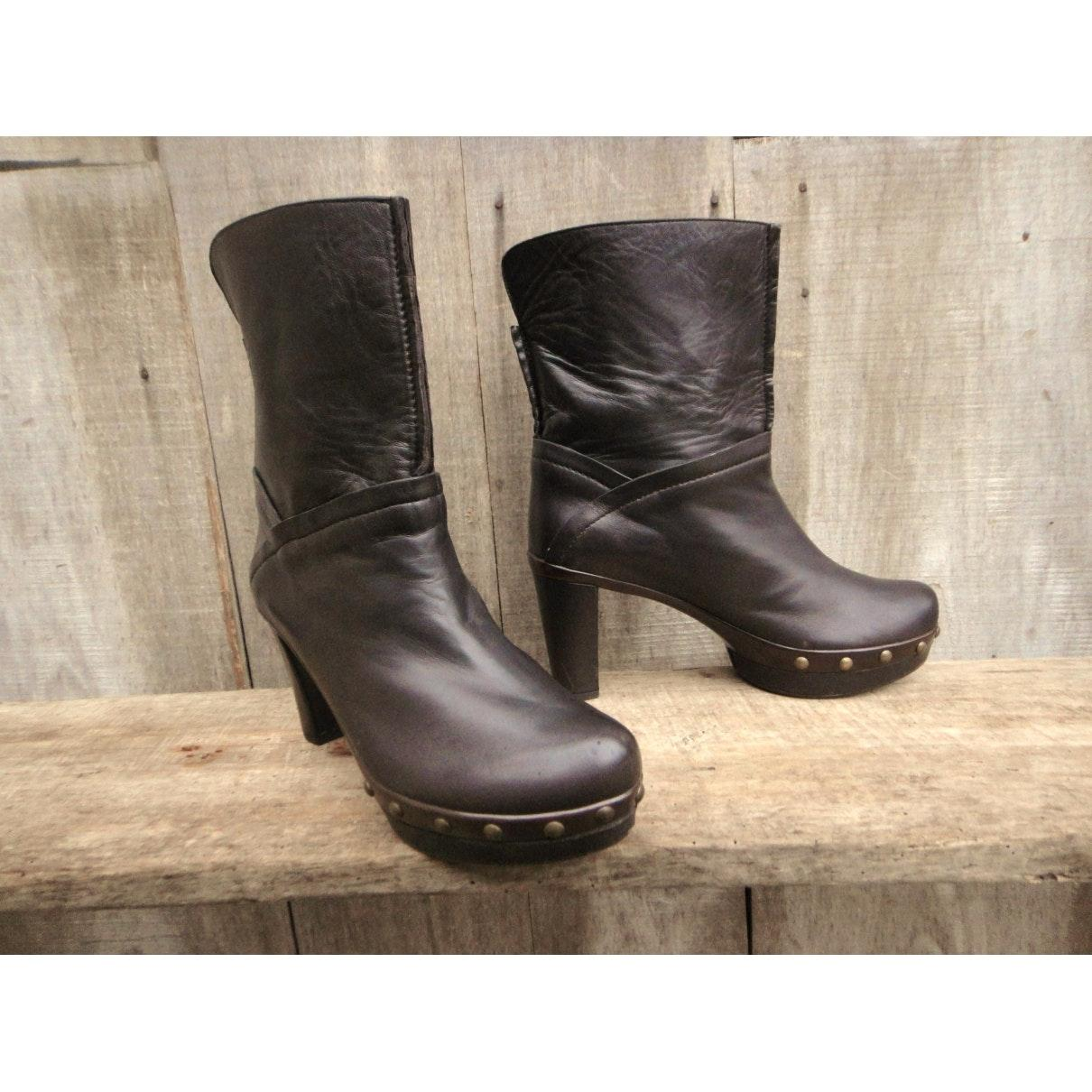 Stuart Weitzman n Brown Leather Ankle Boots