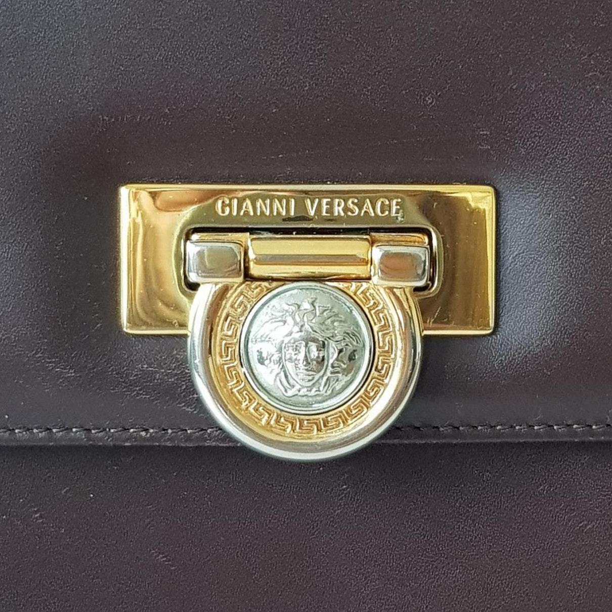 Sac à main N en Cuir Marron Versace en coloris Marron 4iFi