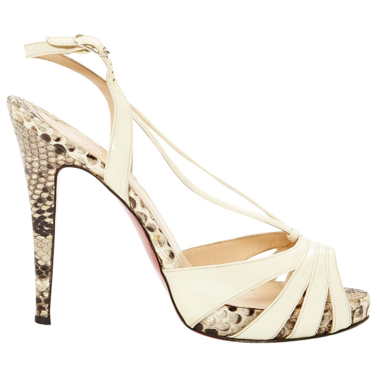 Pre-owned - Patent leather sandal Christian Louboutin FX9PaGLmA