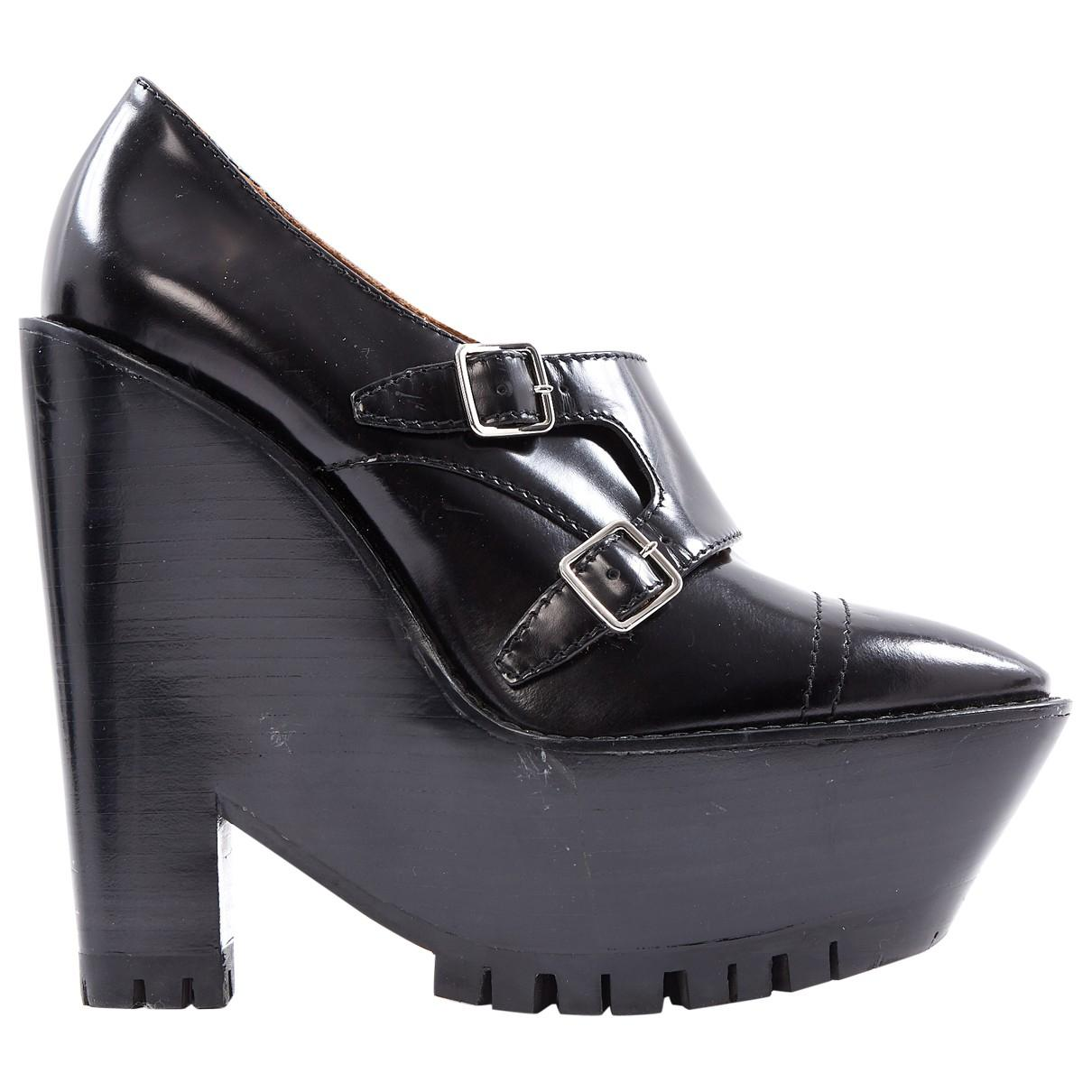 0e720dc20e9a Burberry. Women s Black Pre-owned Leather Heels. £183 From Vestiaire  Collective ...