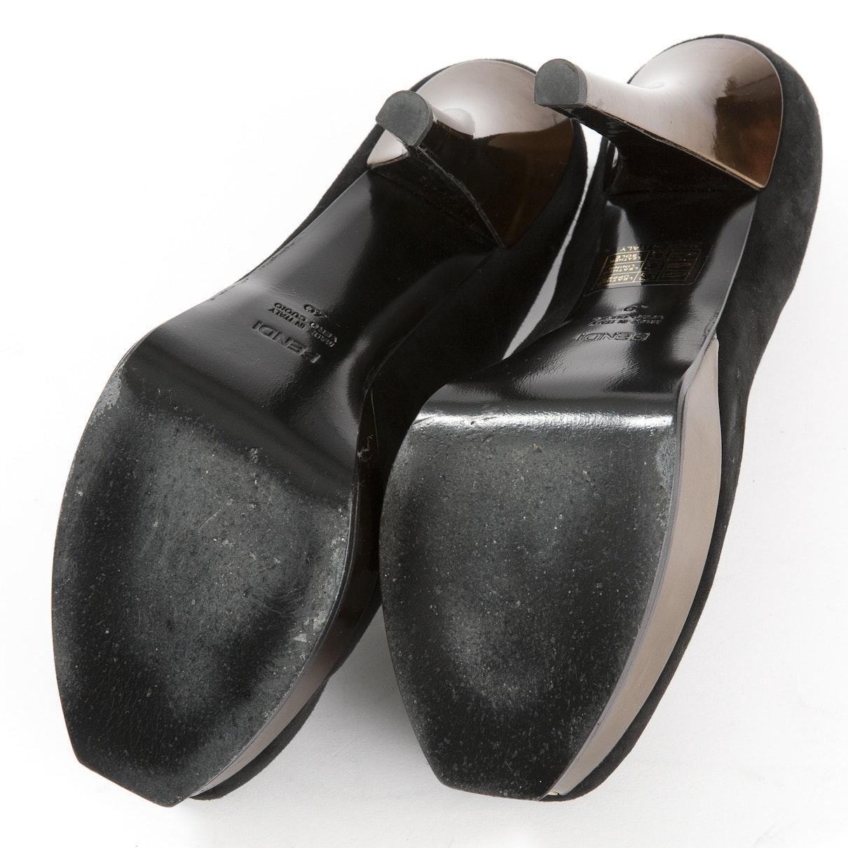 Tacones en ante negro N Fendi de Ante de color Negro