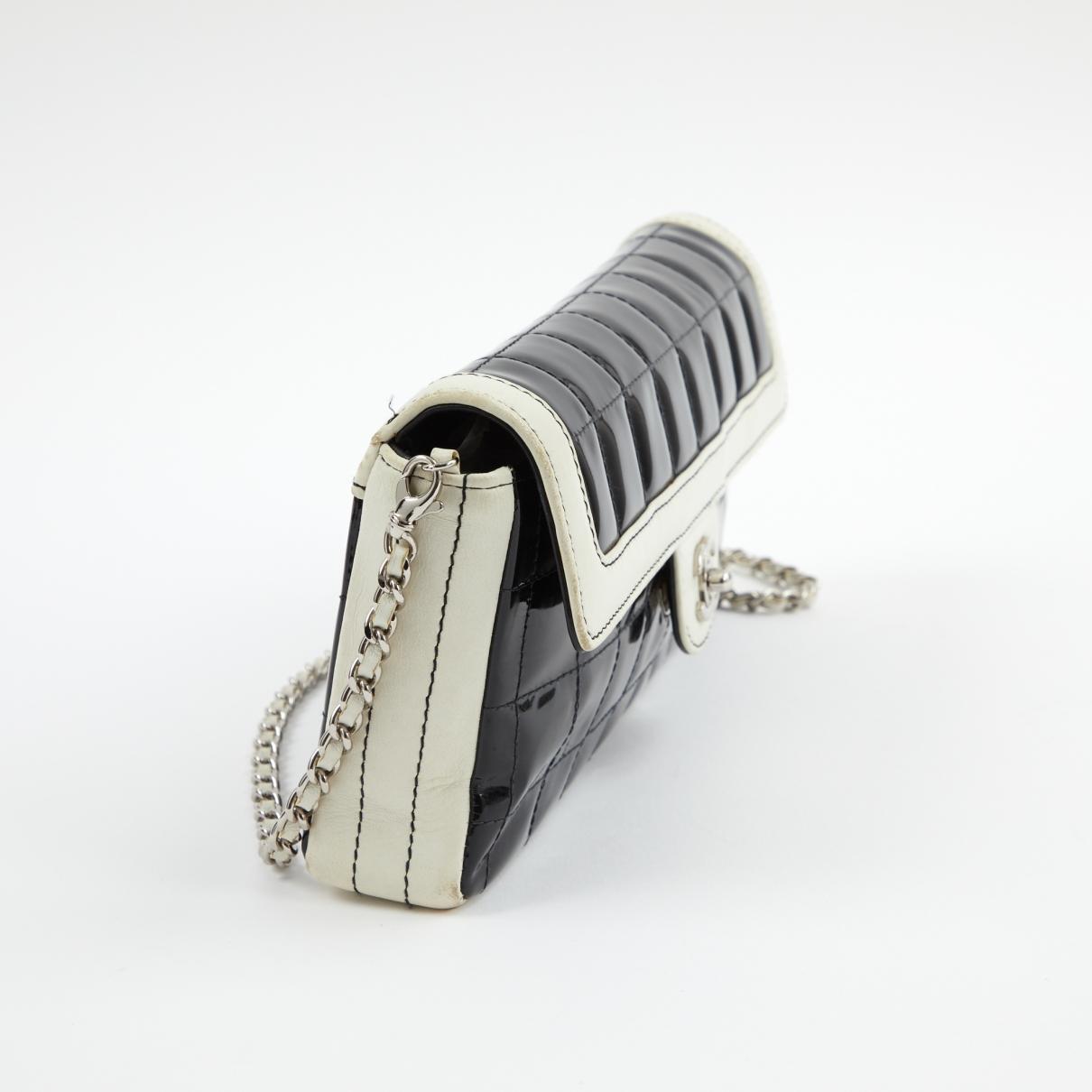 de4b16d4635b Chanel - Vintage East West Chocolate Bar Black Patent Leather Handbag -  Lyst. View fullscreen