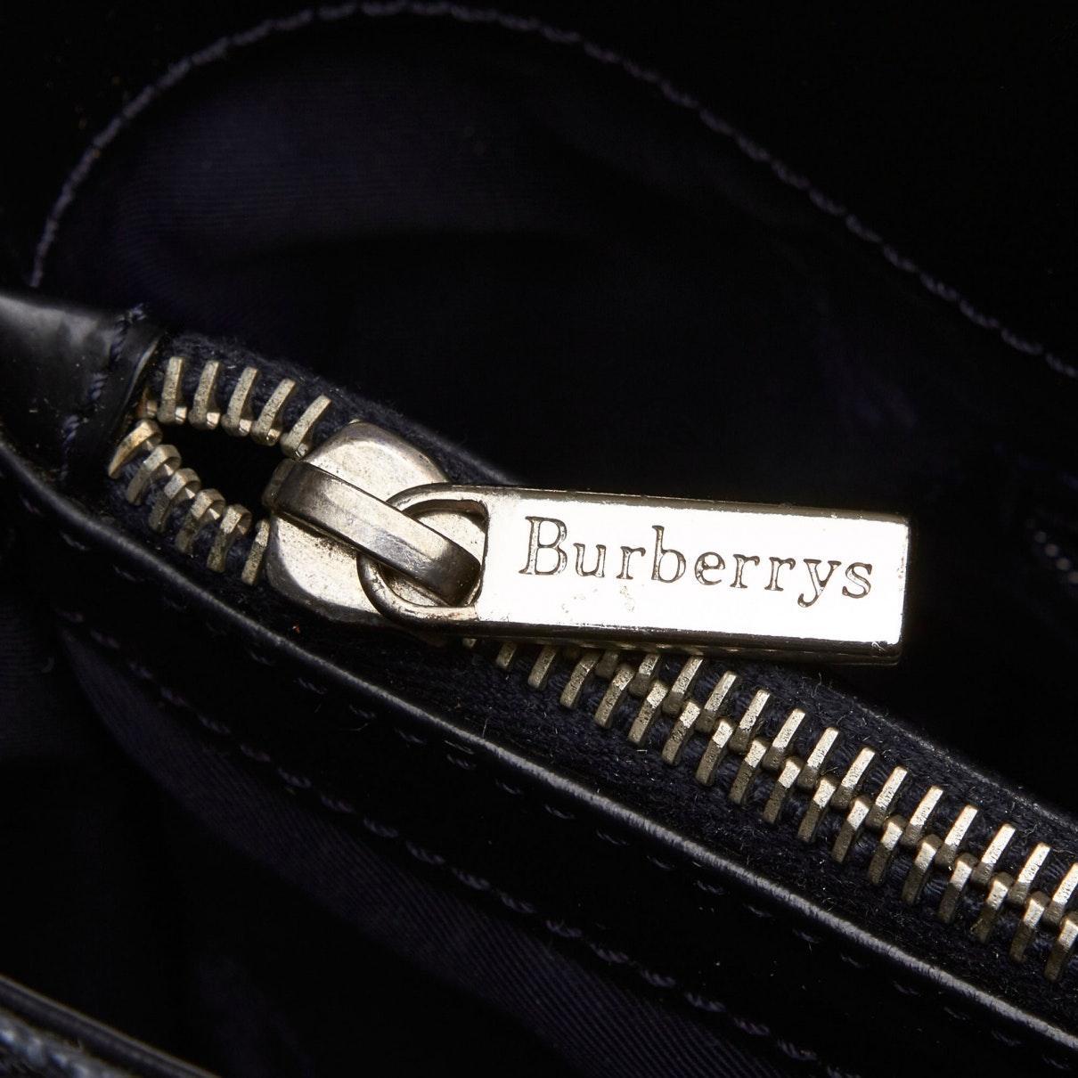 Sac à main en Plastique Gris Burberry en coloris Noir 90JG