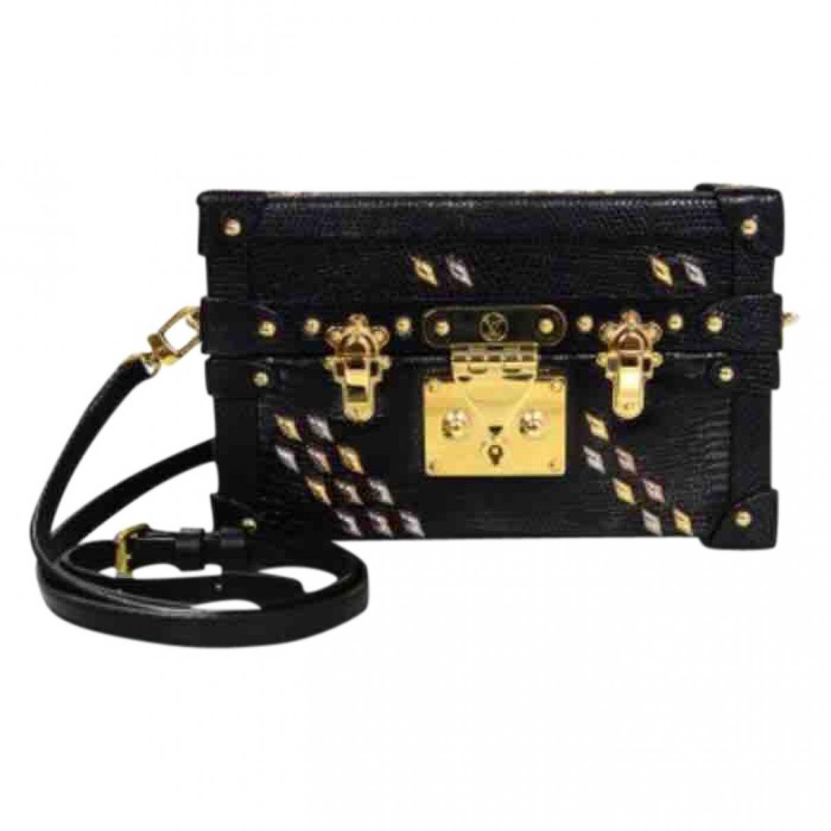 3acb5b6ccbdae Gallery. Previously sold at  Vestiaire Collective · Women s Box Bags  Women s Louis Vuitton Petite Malle ...
