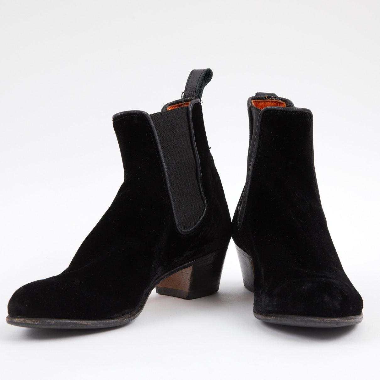 Botines en terciopelo negro N Penelope Chilvers de Terciopelo de color Negro