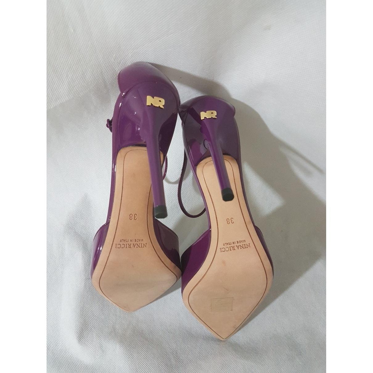 Tacones en charol violeta N Nina Ricci de color Morado