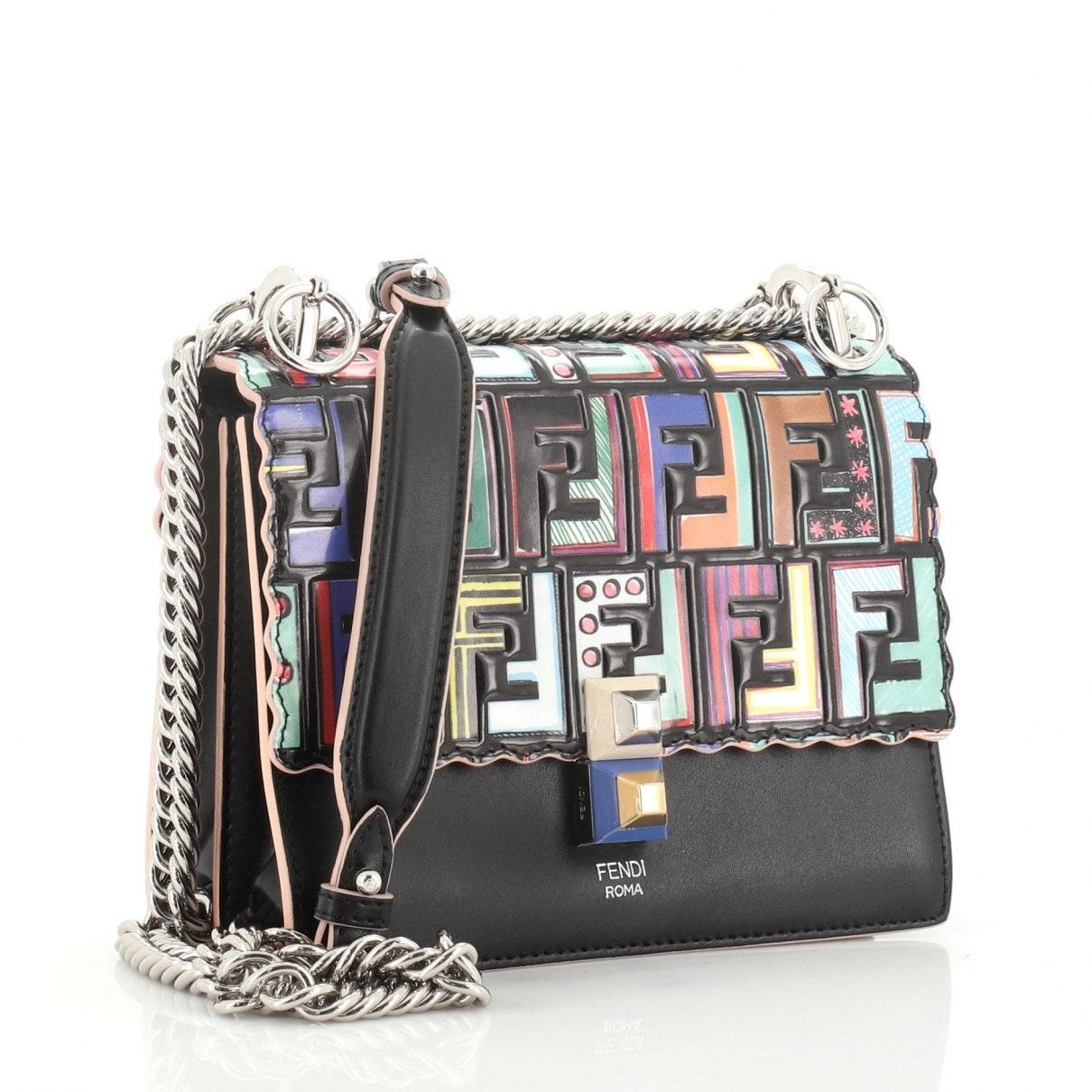 Fendi Leder Lackleder Handtaschen in Schwarz IVufO