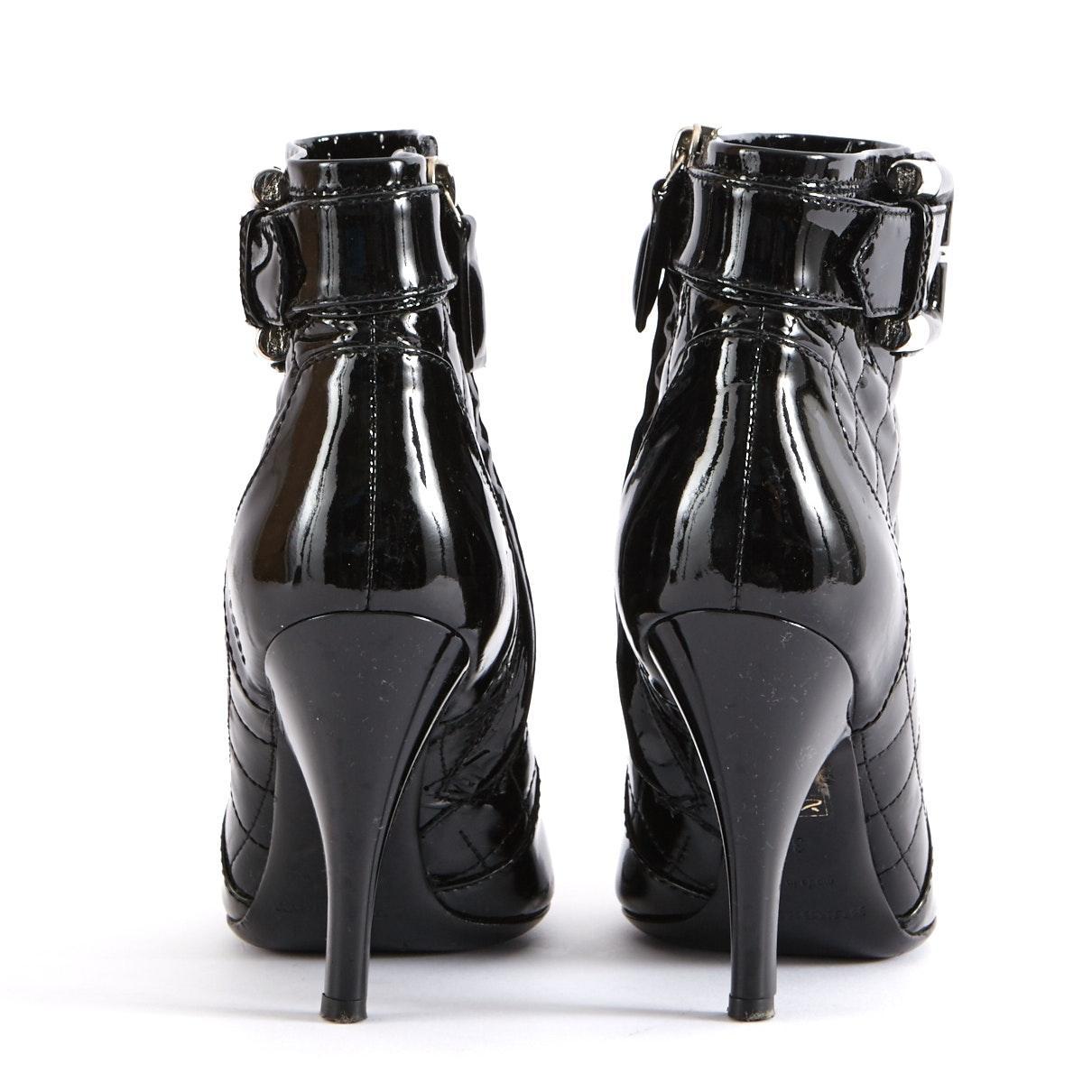 Botines en charol negro Burberry de Cuero de color Negro