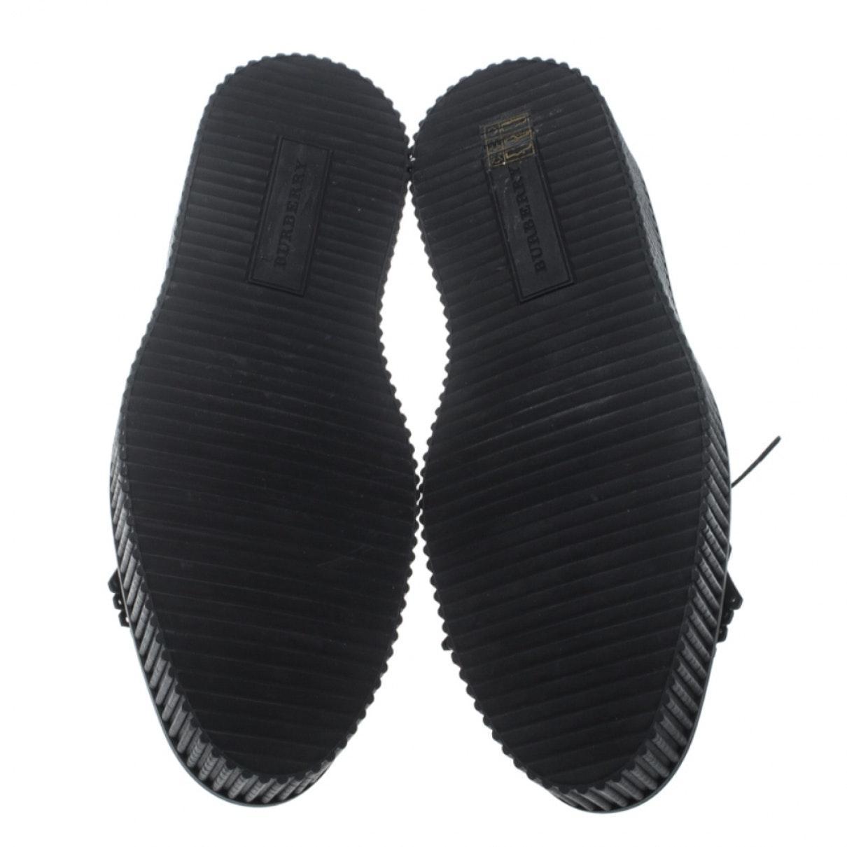 Derbis en cuero burdeos Burberry de color Negro
