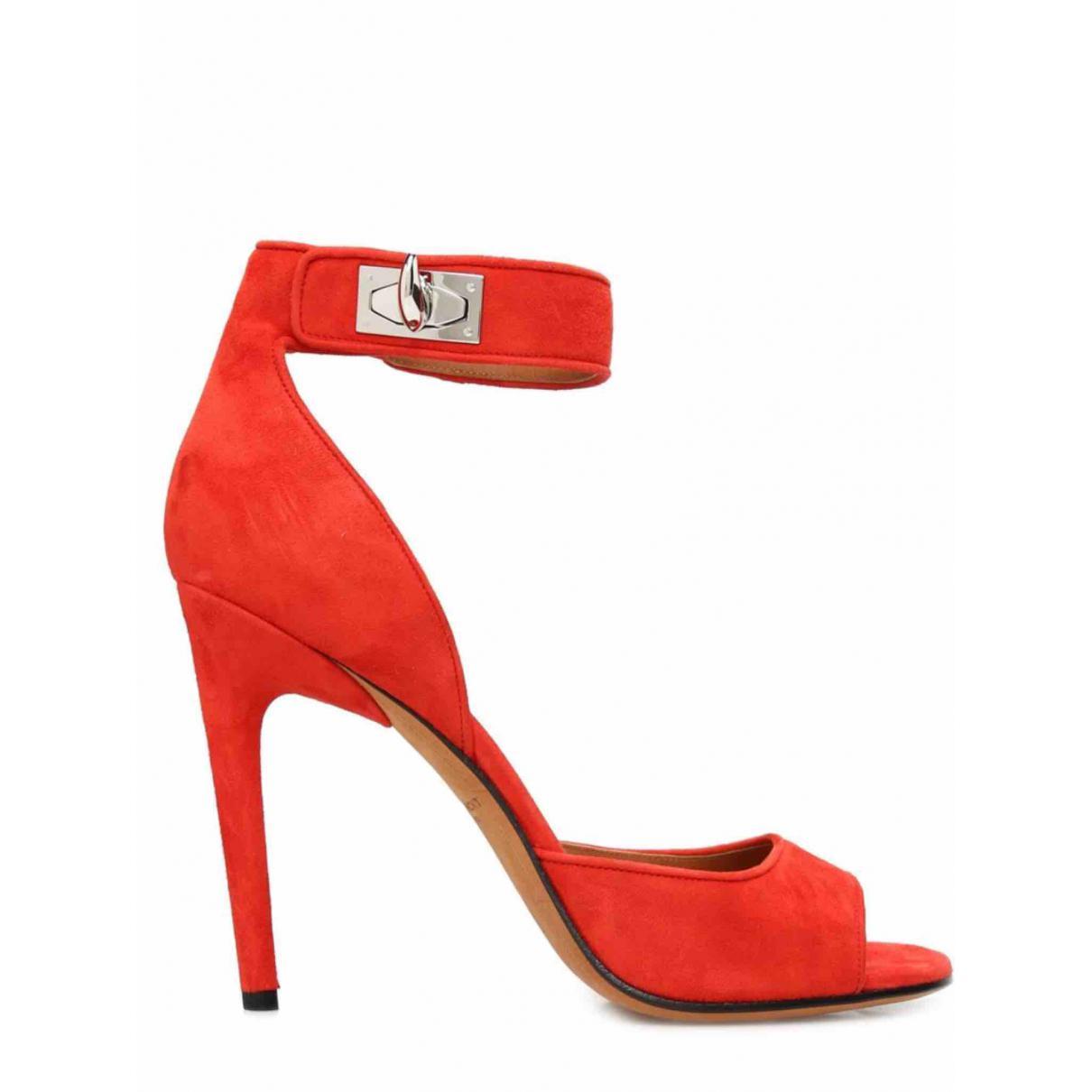 Fashion stylist course online 39