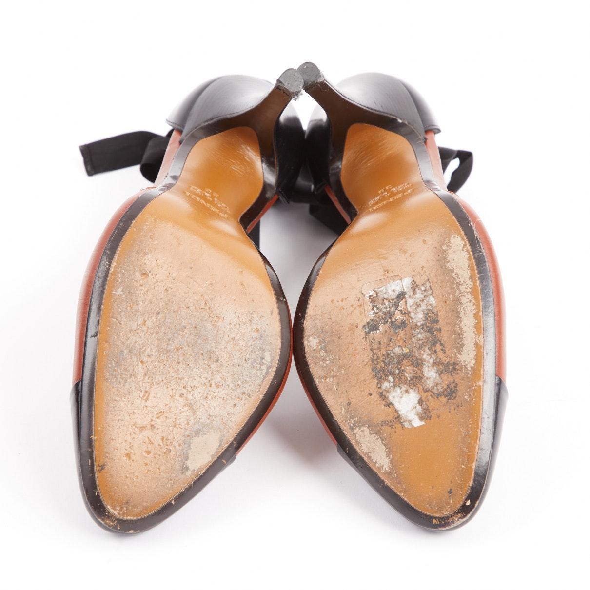 Tacones en cuero marrón N Fendi de Cuero de color Marrón