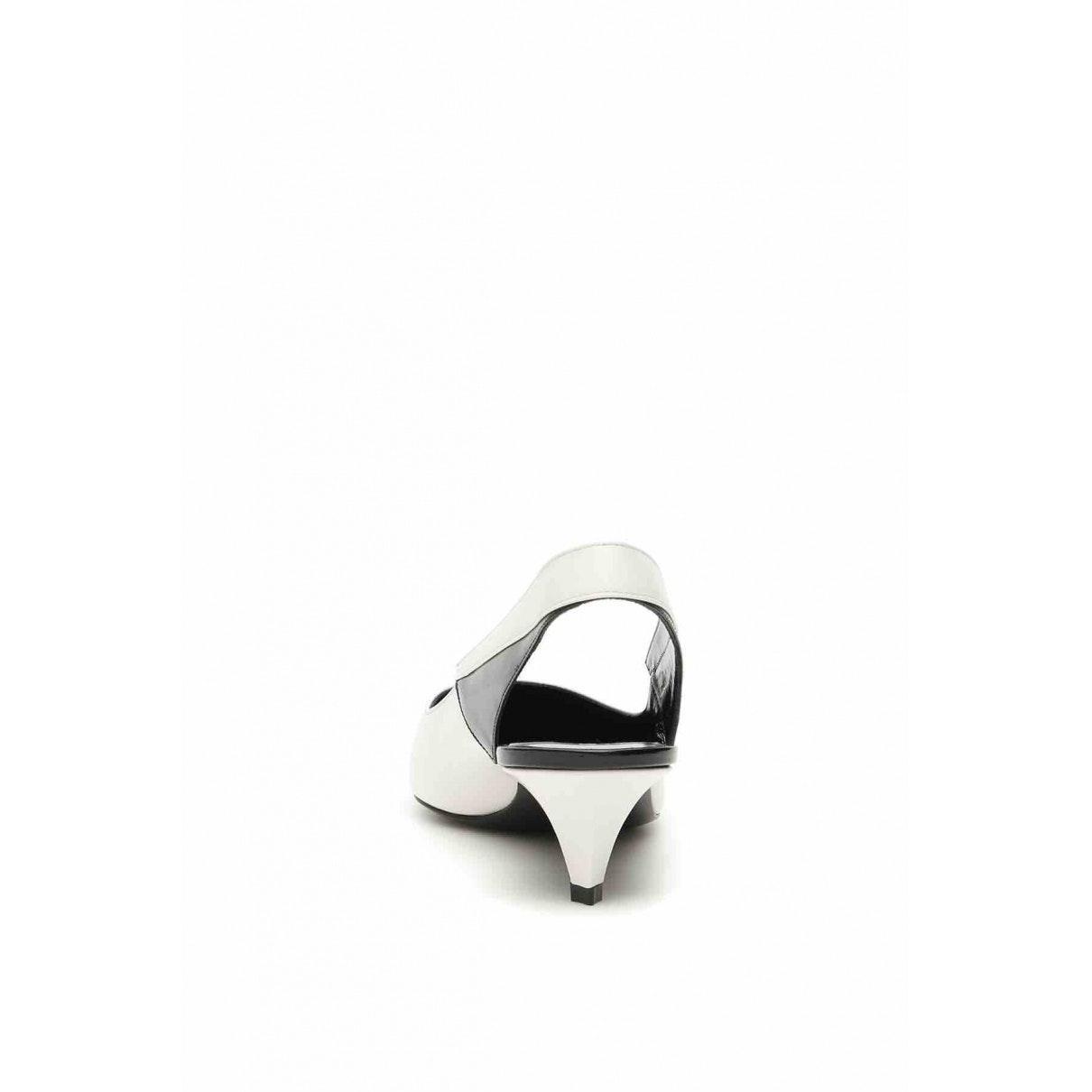 Tacones en cuero blanco Celine de Cuero de color Blanco
