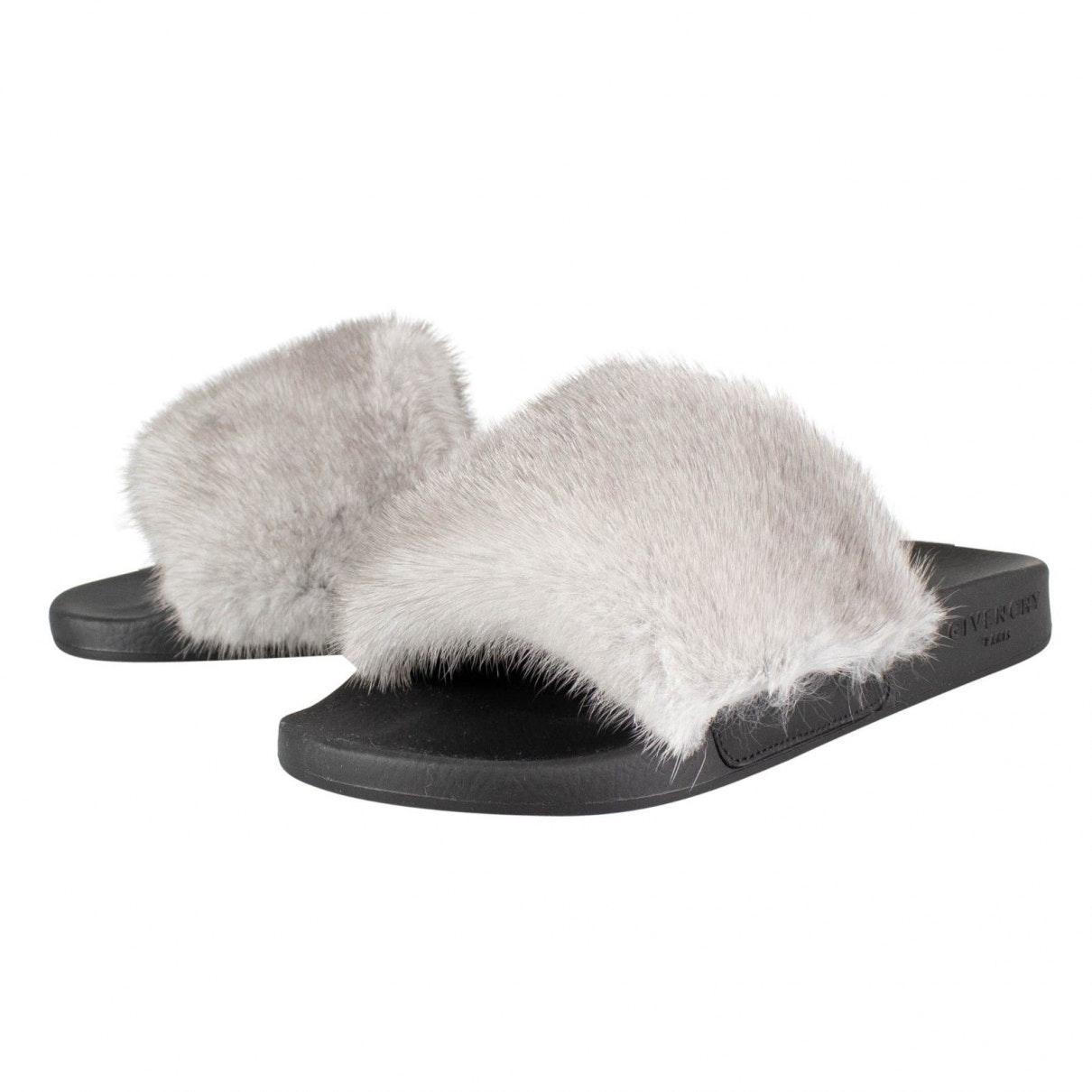Sandalias en piel gris Givenchy de Pelo de color Gris