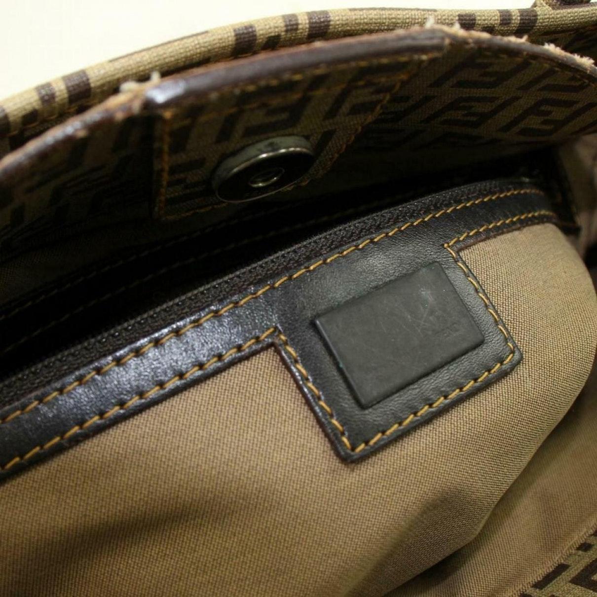 Fendi Leinen Handtaschen in Braun oyrv5