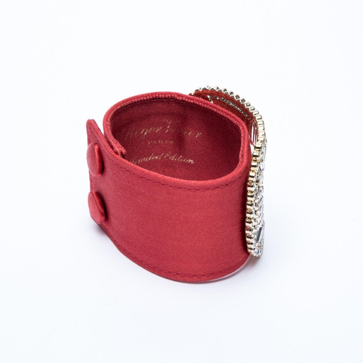 Braccialo in seta rossoRoger Vivier in Seta di colore Rosso